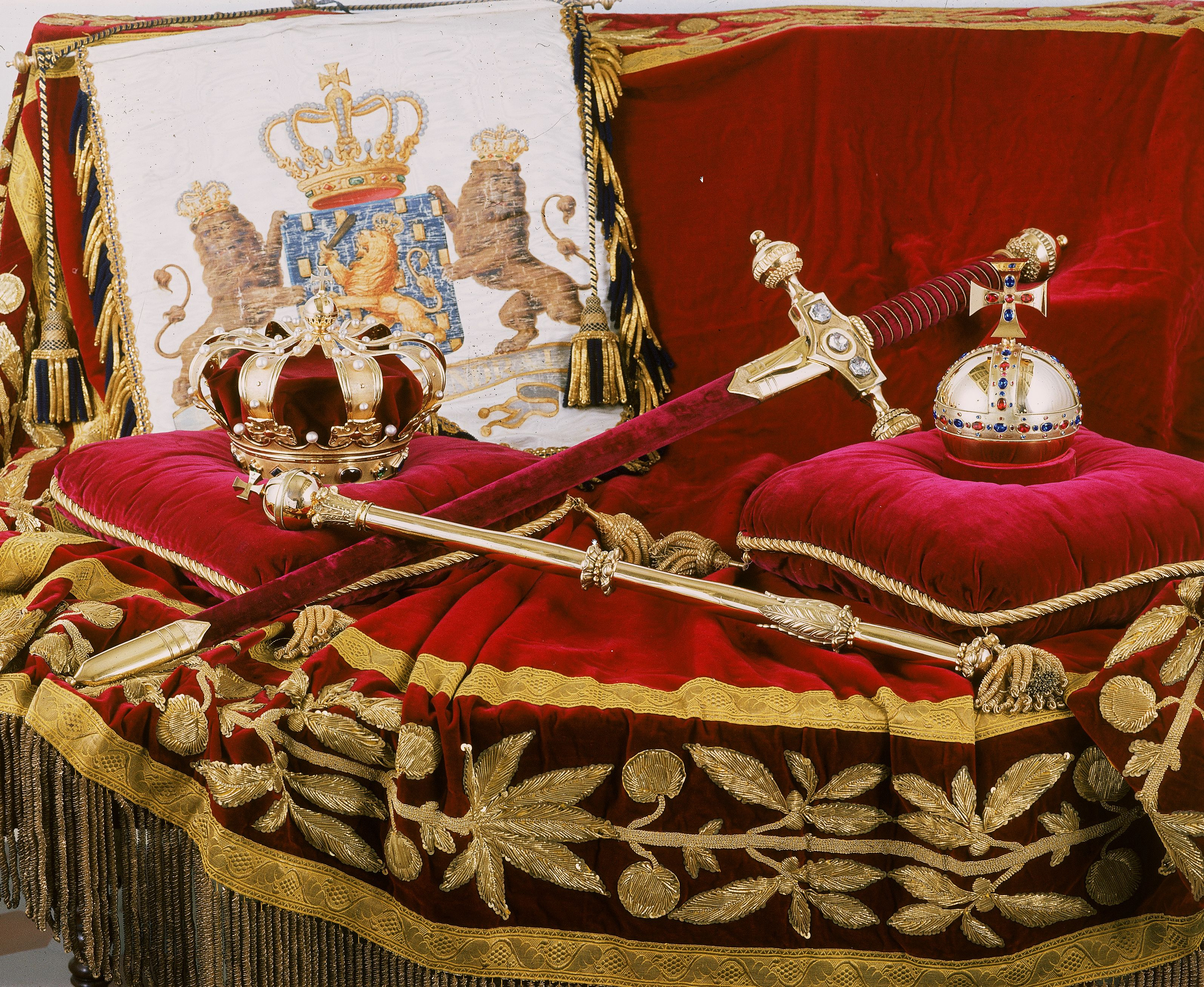 dutch royal regalia for HD Wallpaper