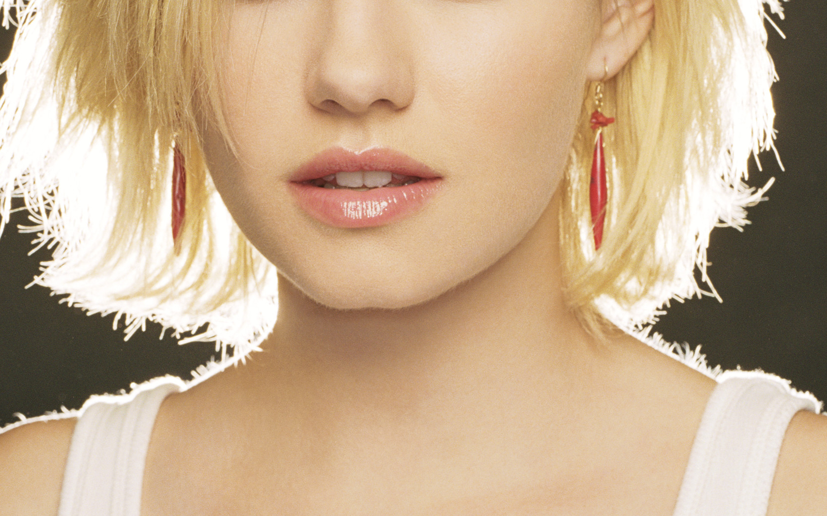 elisha cuthbert Celebrity HD Wallpaper