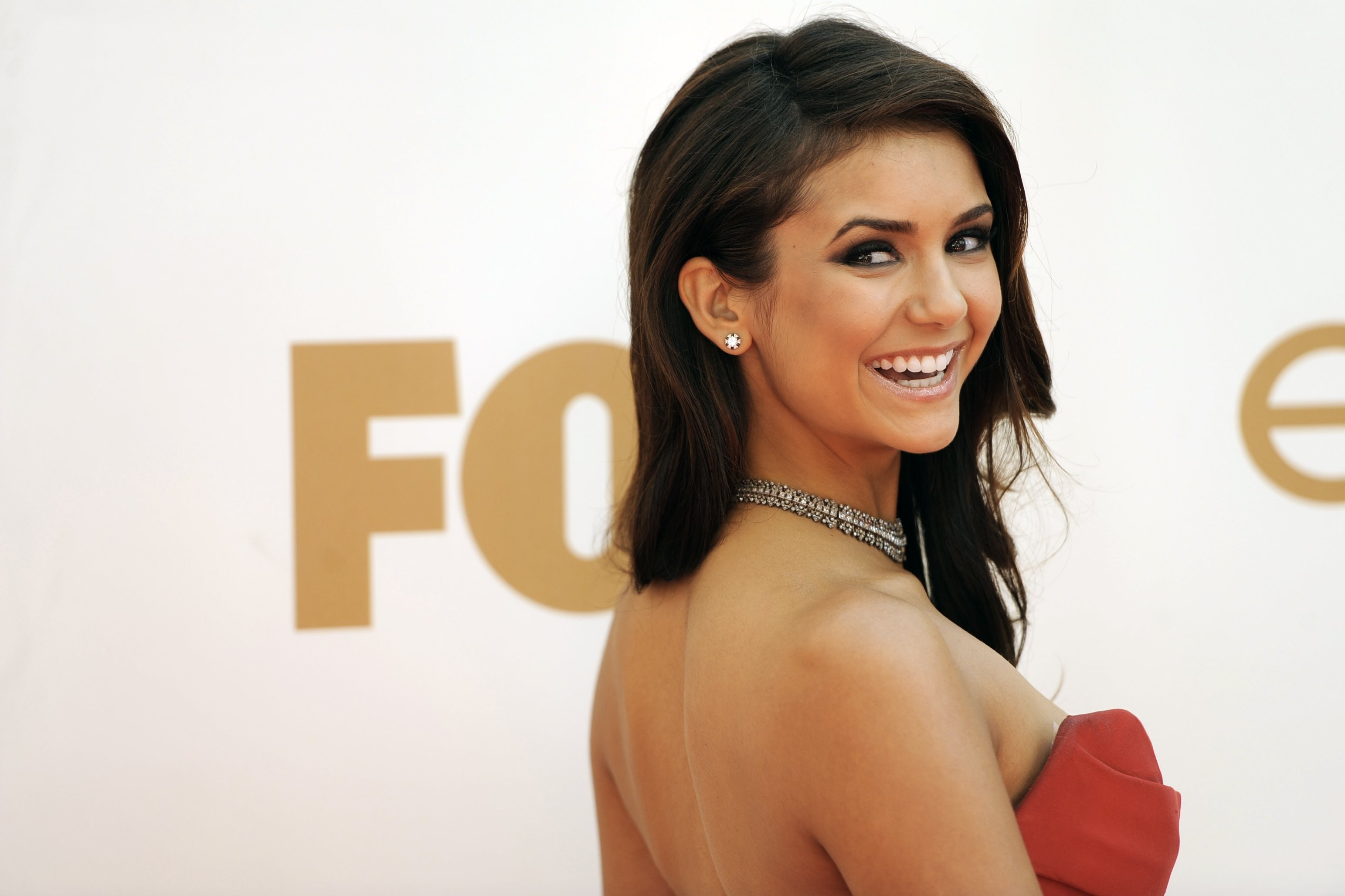 Emmy Award Nina Dobrev HD Wallpaper