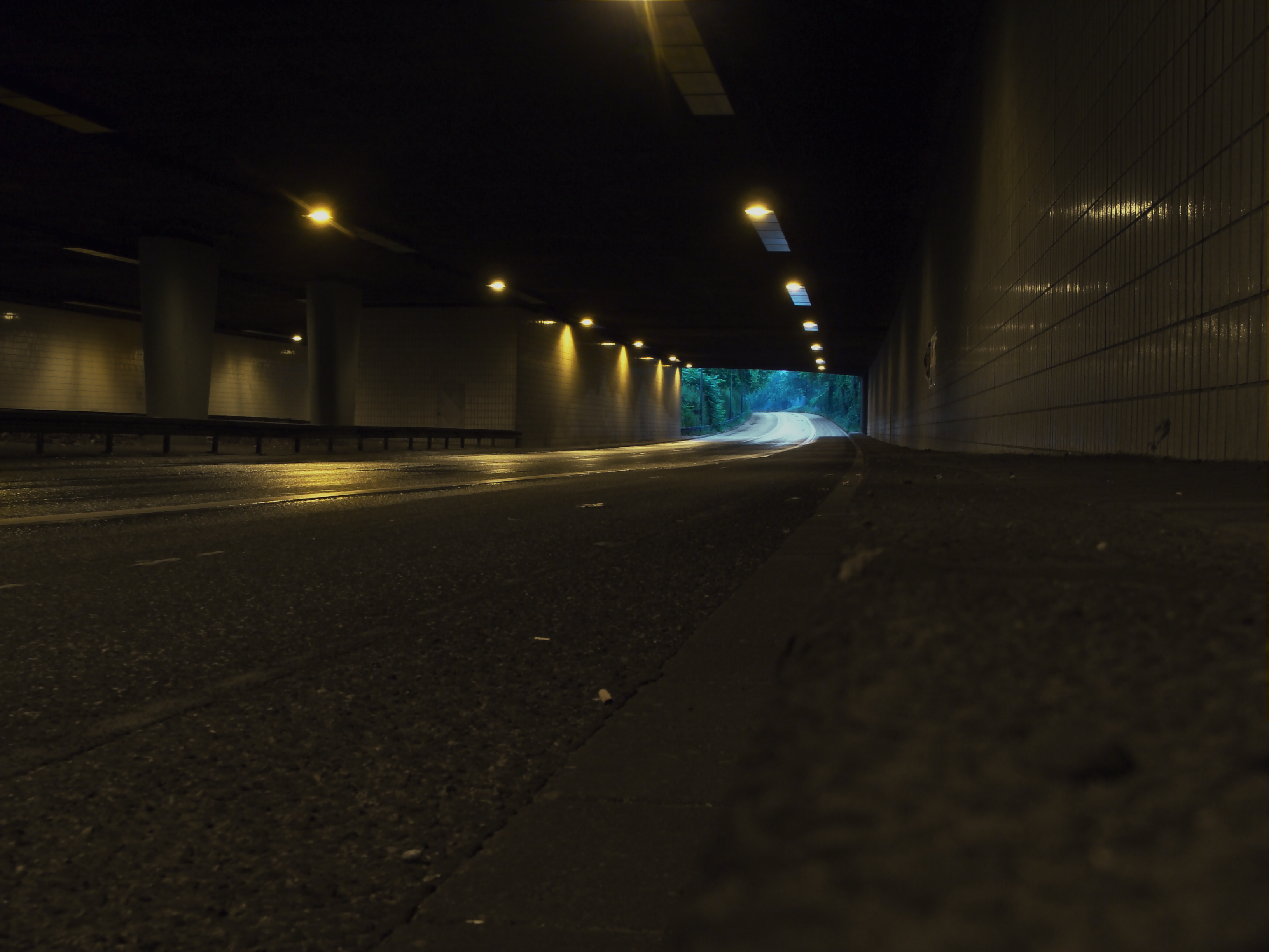 empty road tunnel HD Wallpaper