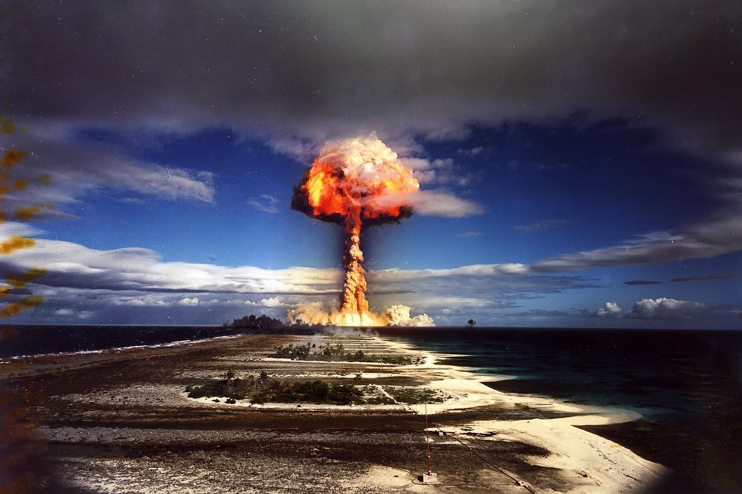 explosions atomic bomb HD Wallpaper