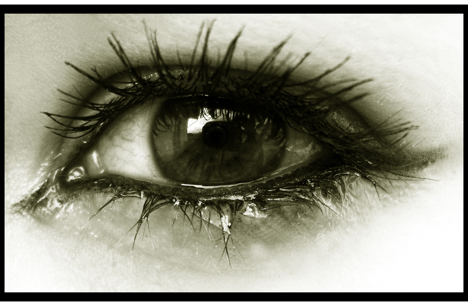 tear tears looking for some sad eyes and desktop 1952x1280 hd wallpaper 803316 - Zindagi