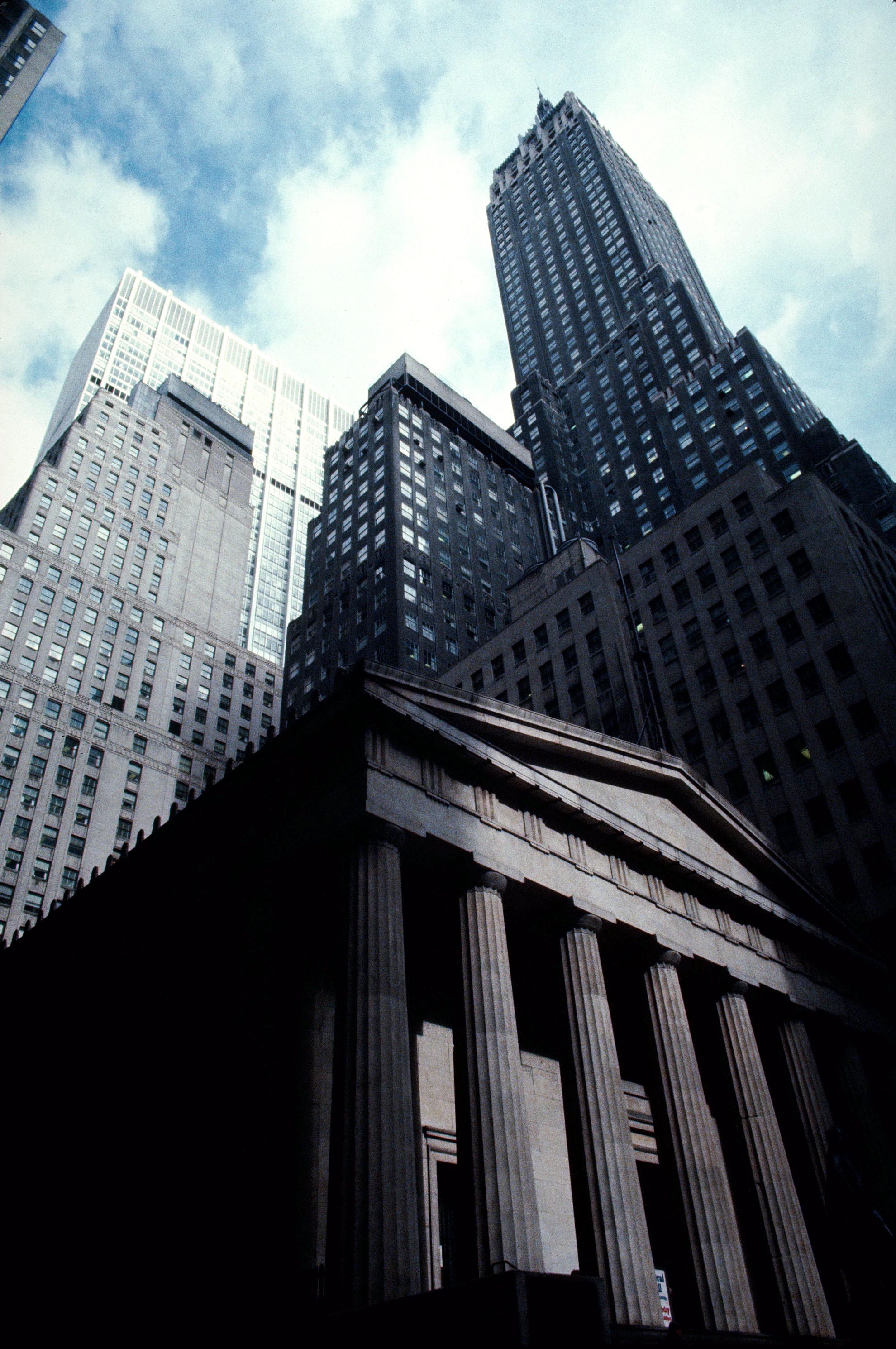 federal hall building high HD Wallpaper