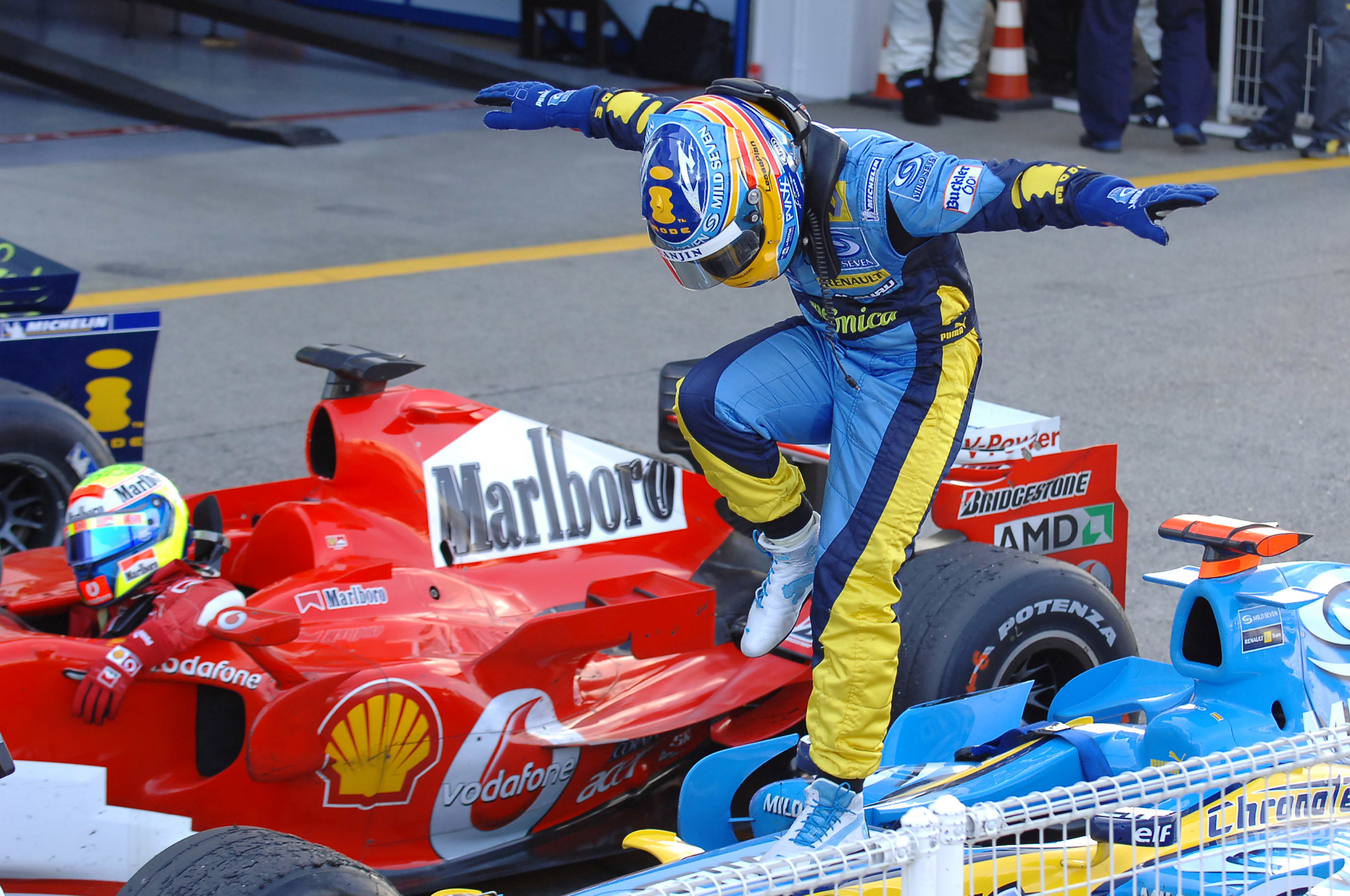 fernando-alonso jump formula-one Sport HD Wallpaper