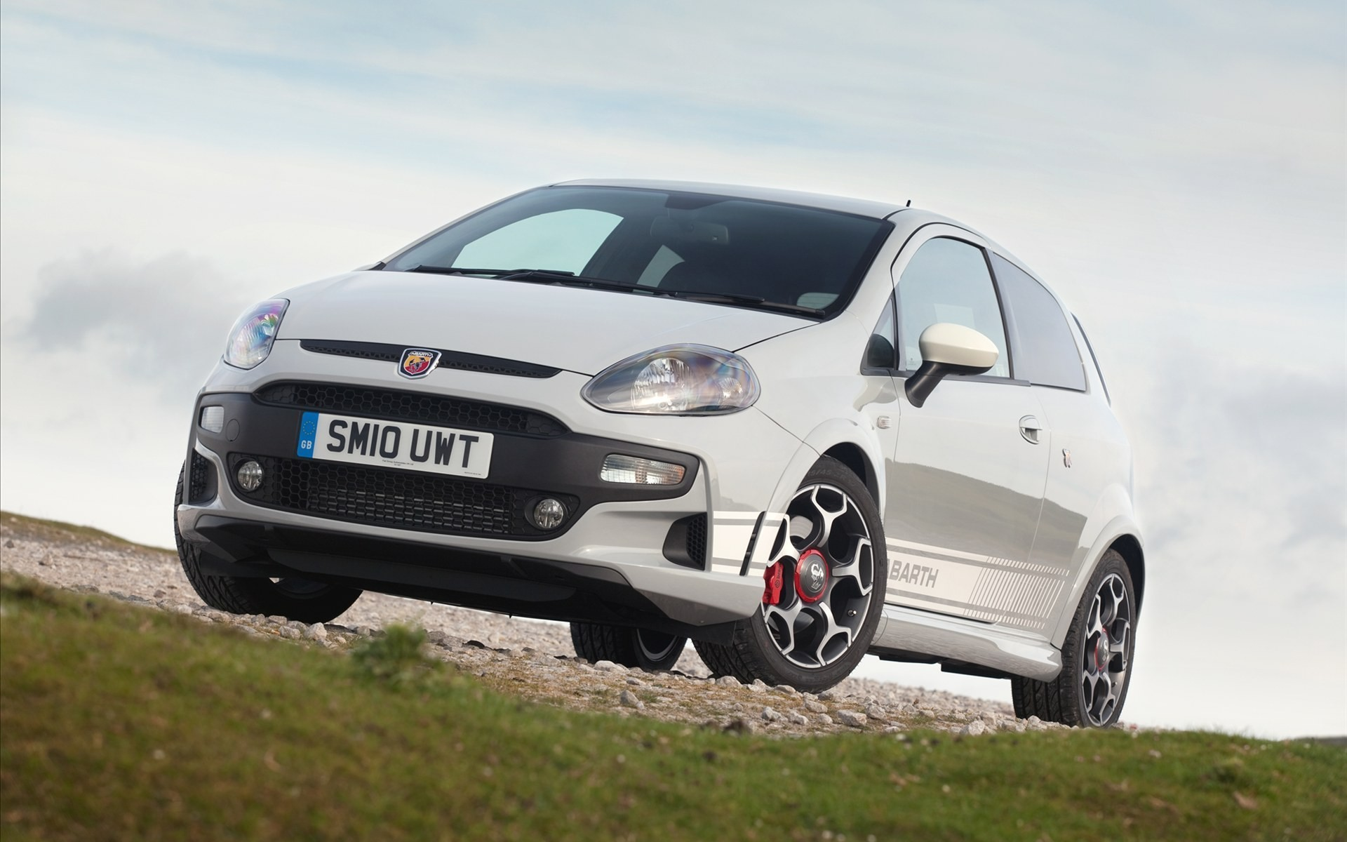Fiat abarth grande punto HD Wallpaper