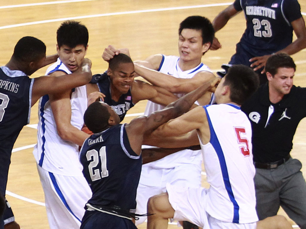 fight basketball HD Wallpaper
