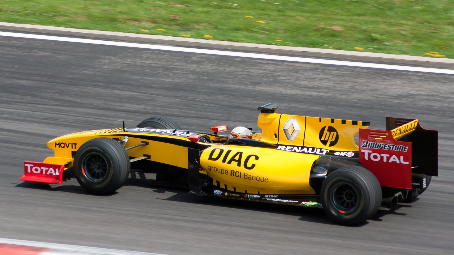 formula one Renault cars HD Wallpaper