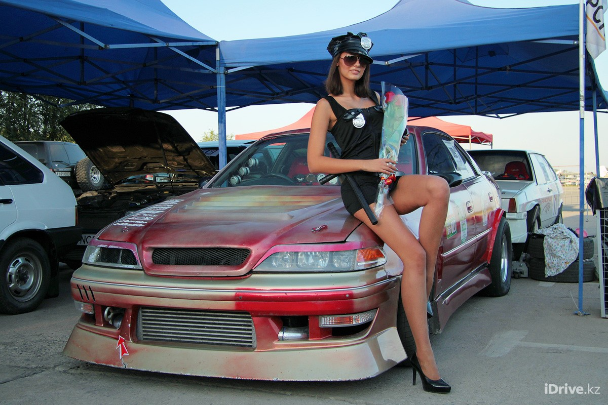 girls with cars Drifting HD Wallpaper