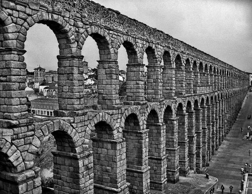 grayscale Aqueduct HD Wallpaper