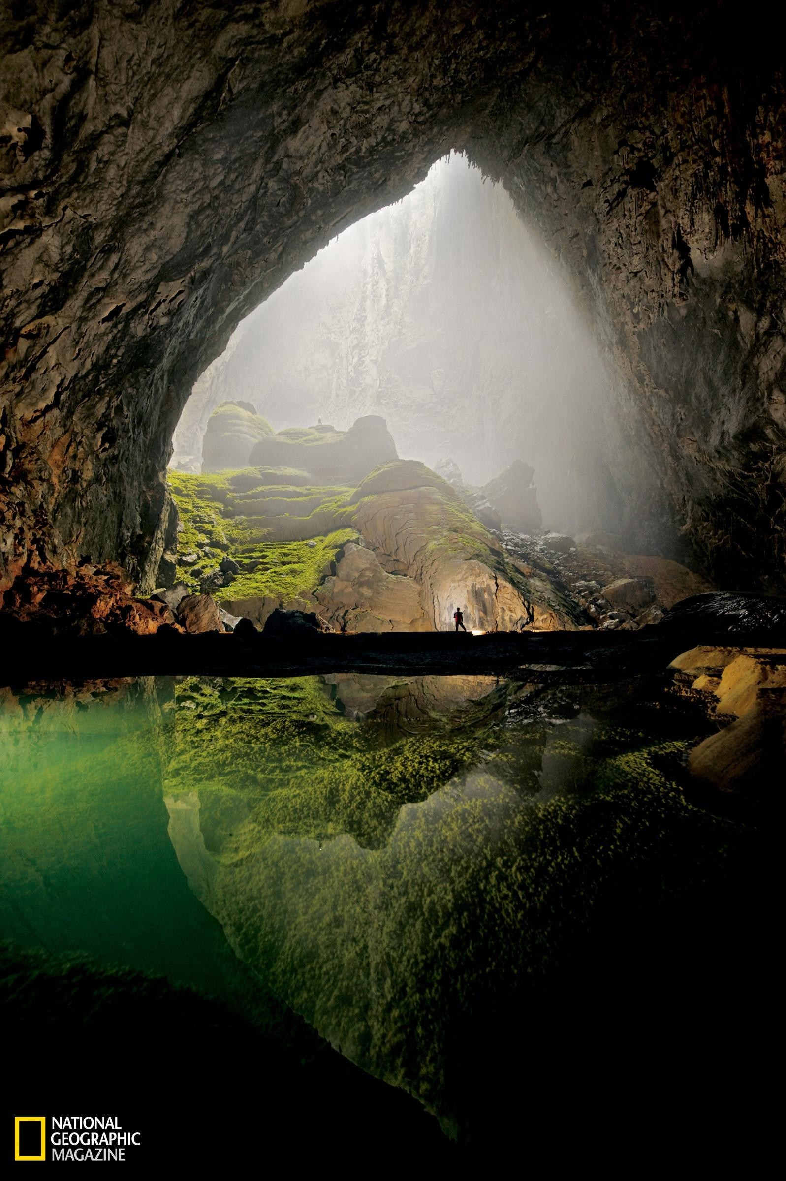 Green water nature caves HD Wallpaper