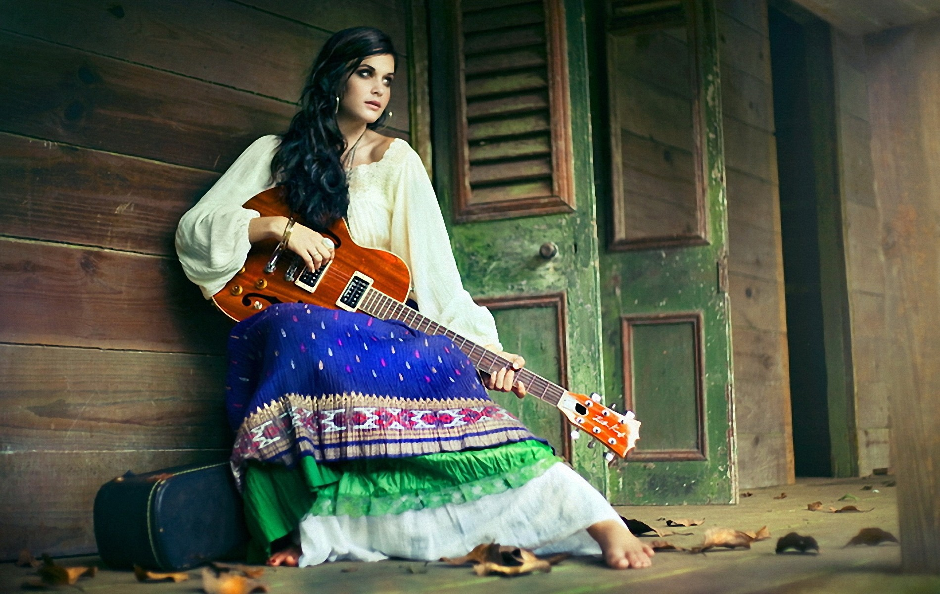 guitars gypsy woman lonely