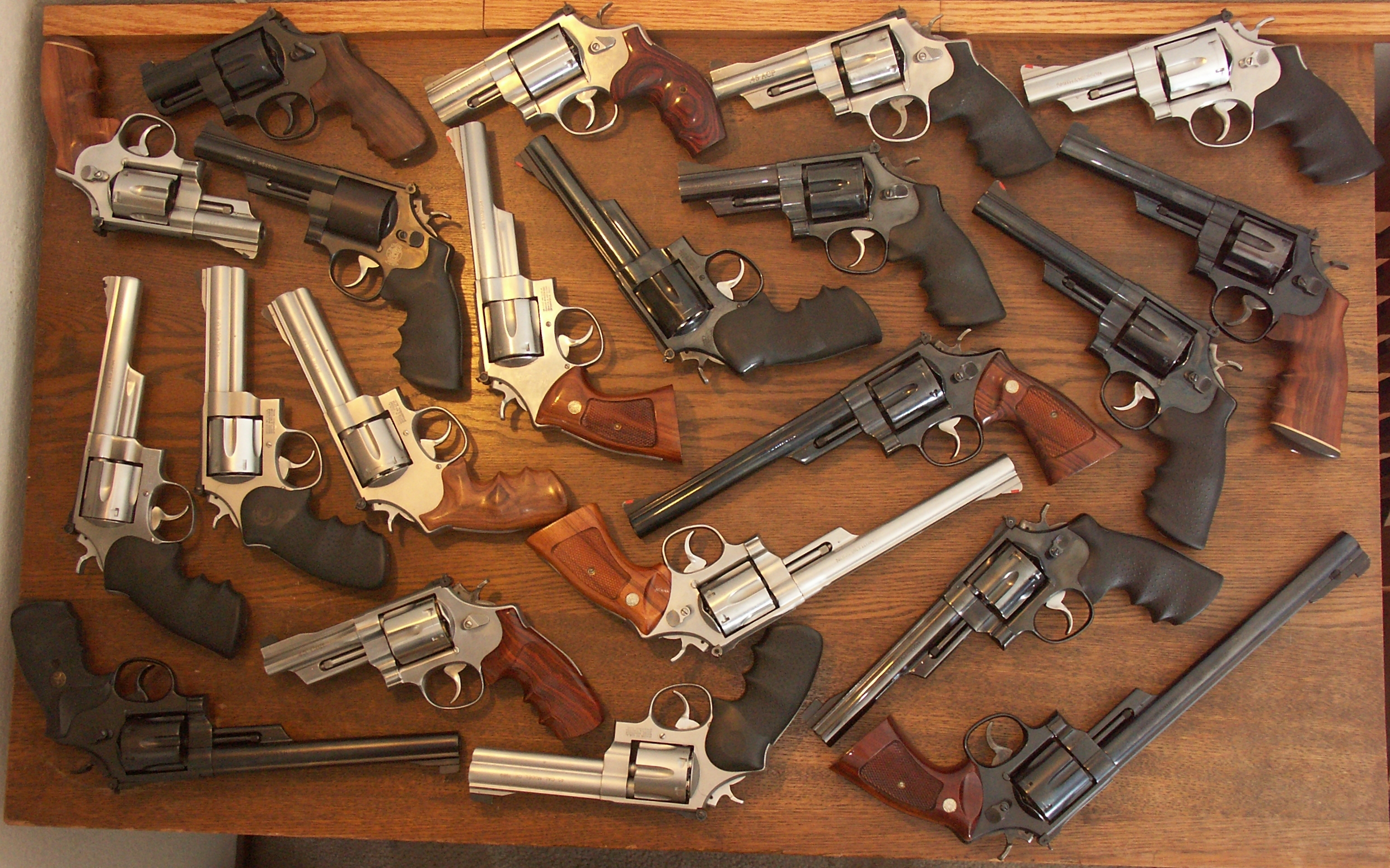 Guns revolvers weapons Smith HD Wallpaper