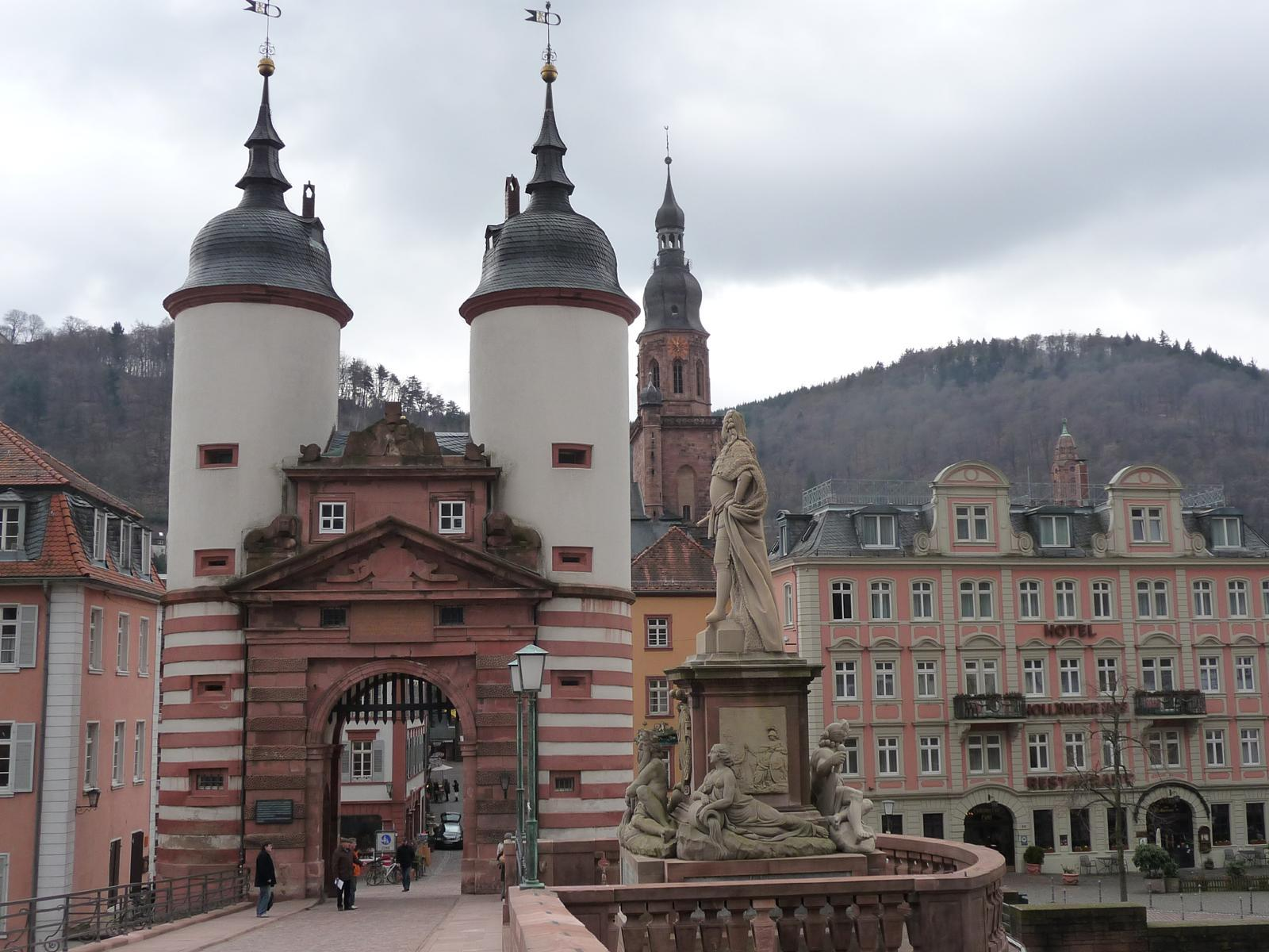 Heidelberg Bridge gate heidelbergbr HD Wallpaper