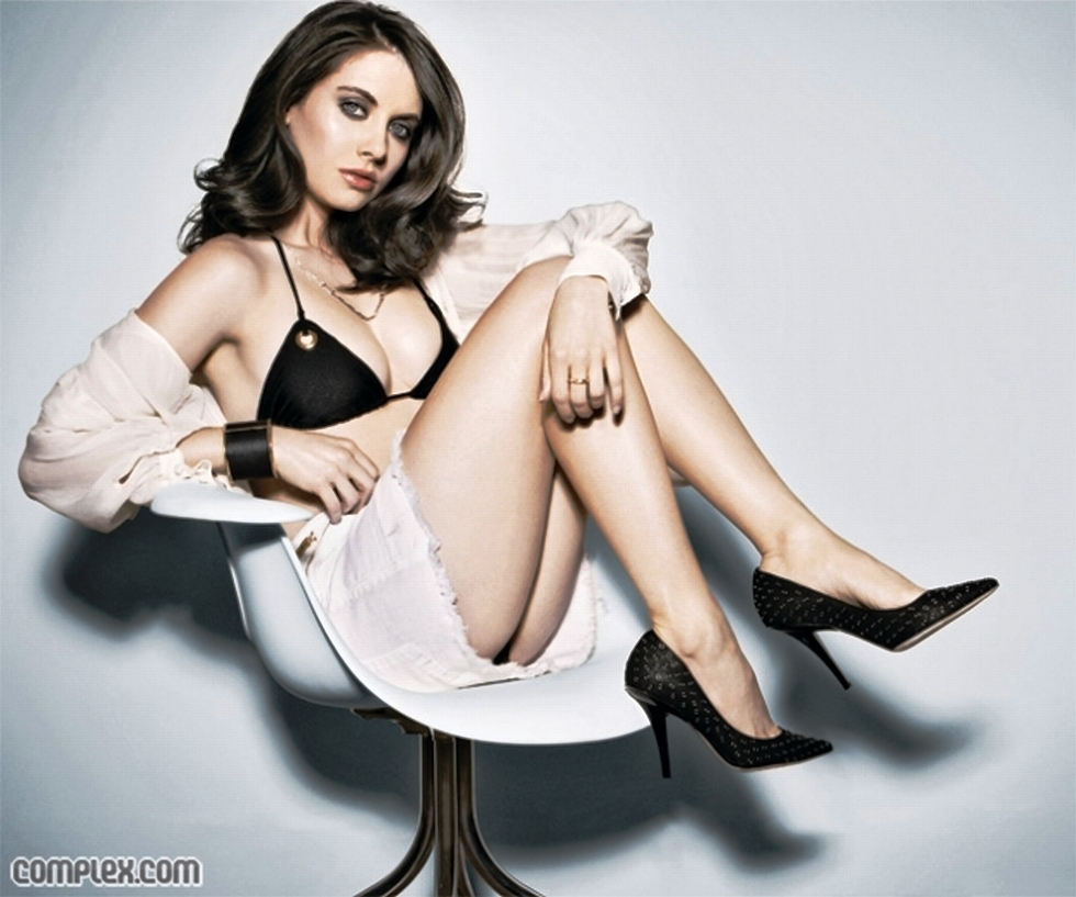 high heels alison brie HD Wallpaper
