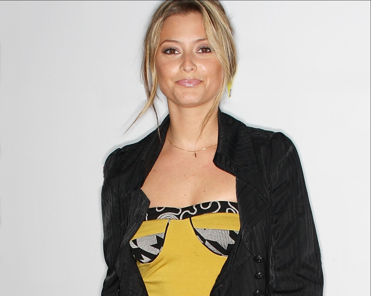 holly Valance Celebrity HD Wallpaper