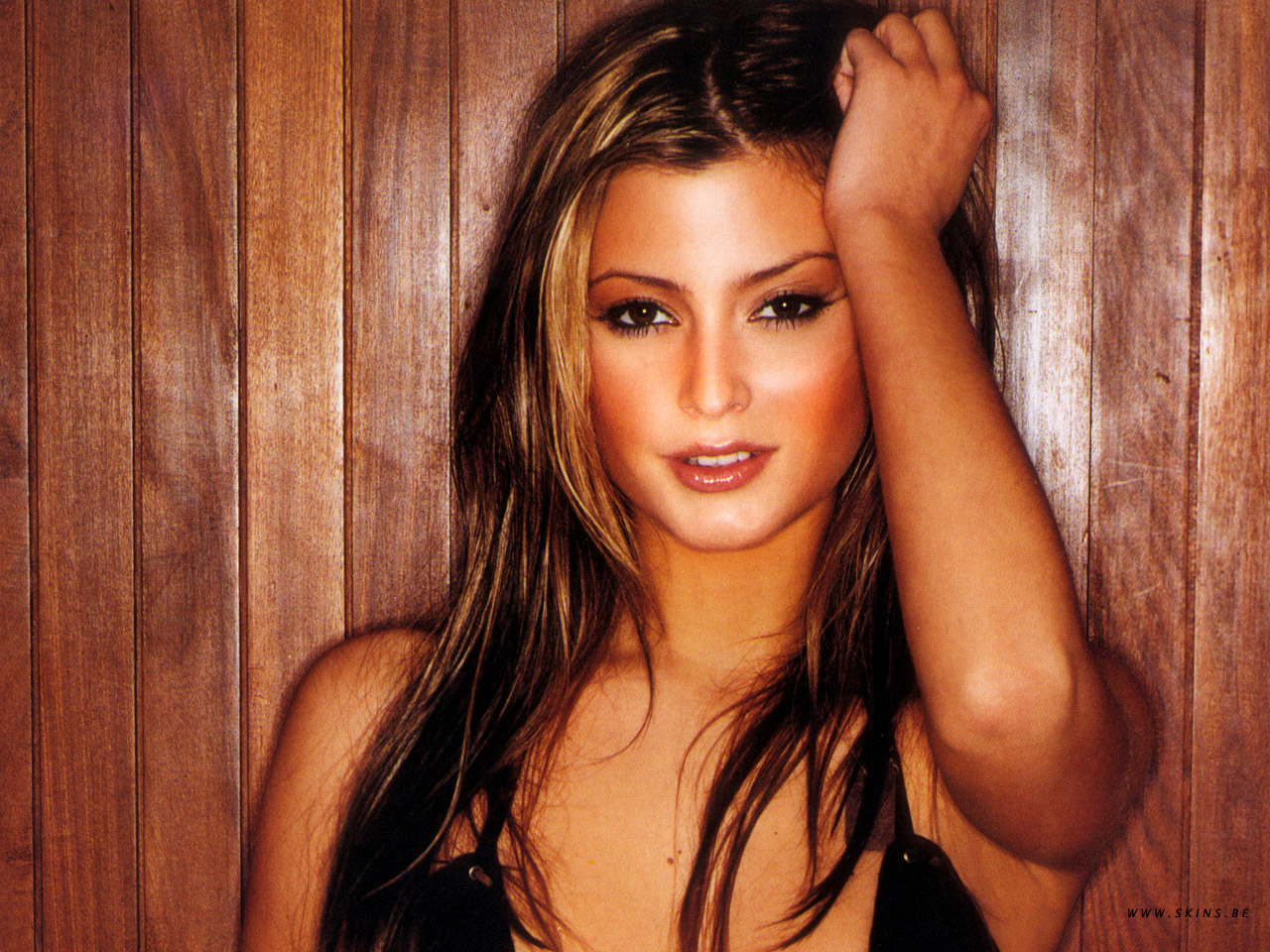 holly valance hands on HD Wallpaper