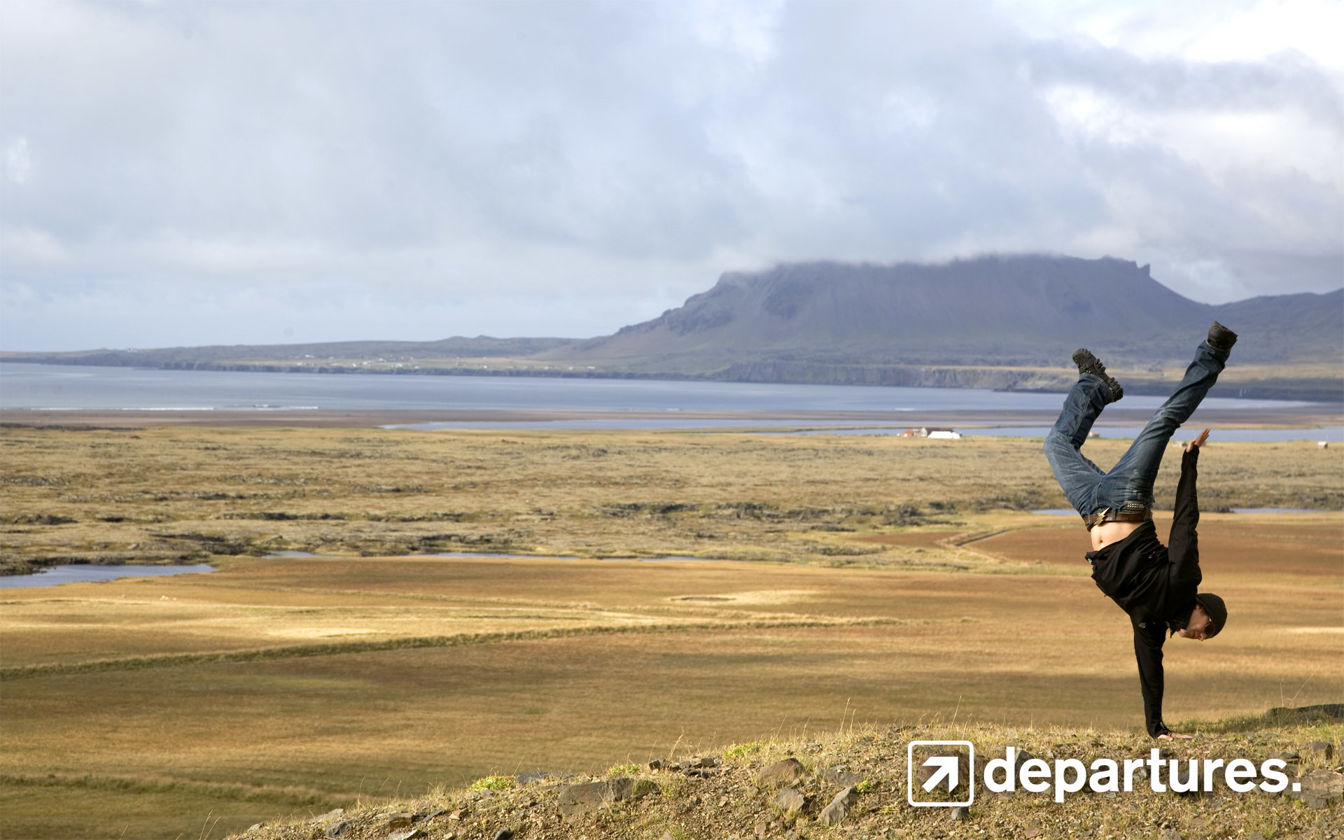 iceland handstand World HD Wallpaper