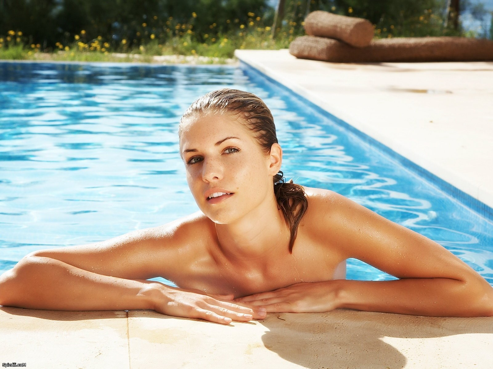 Iveta Vale swimming pools HD Wallpaper