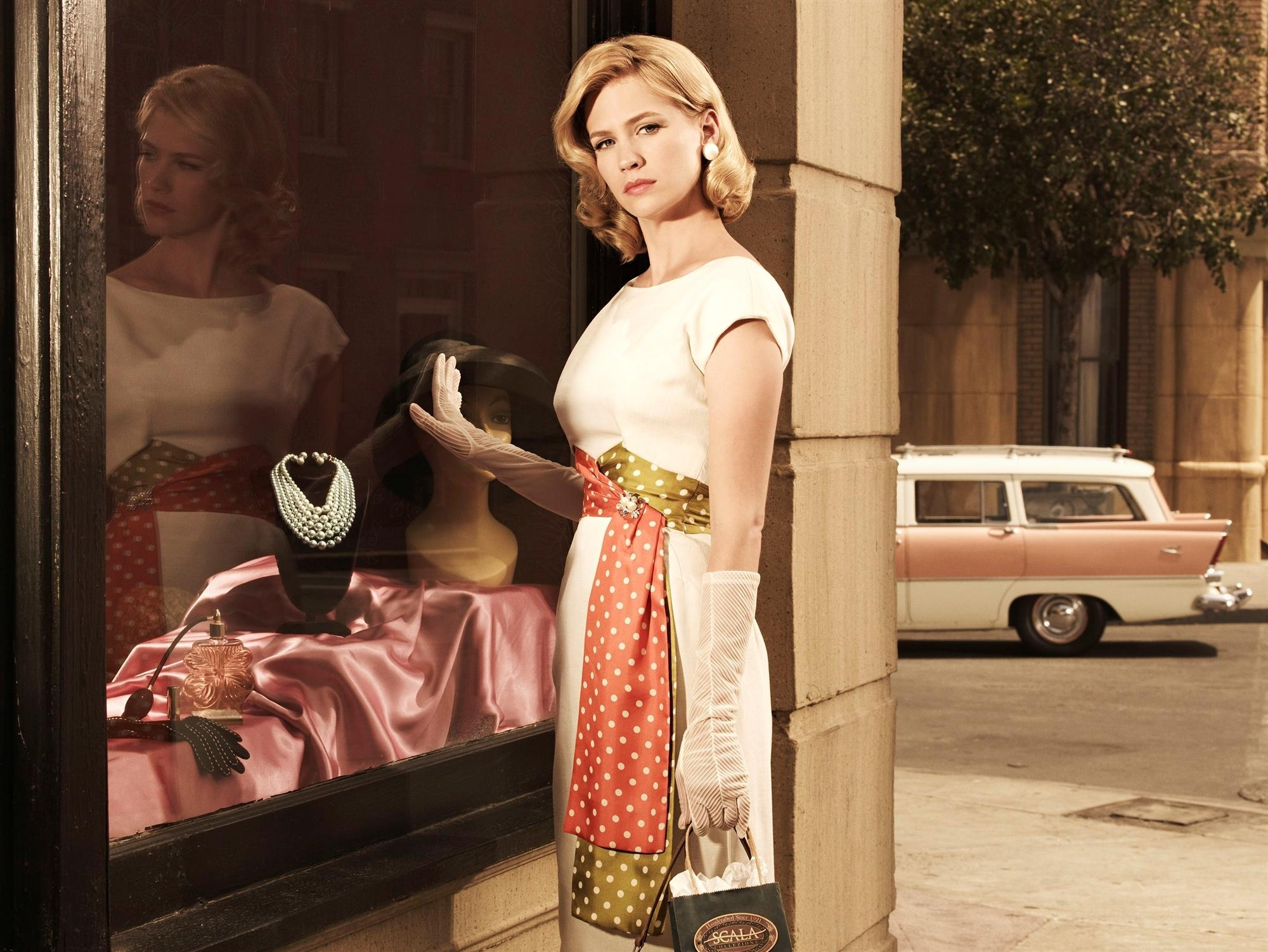 january jones mad Men HD Wallpaper