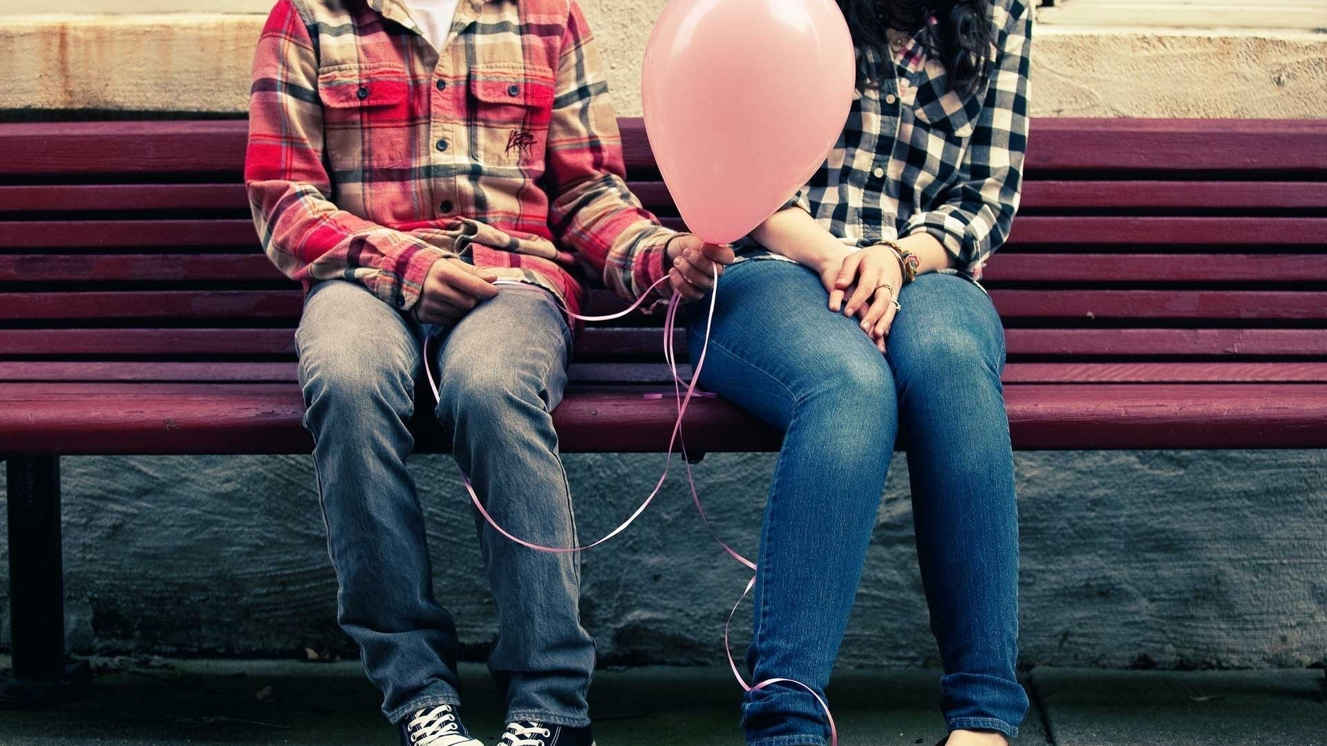 jeans love bench Balloons HD Wallpaper