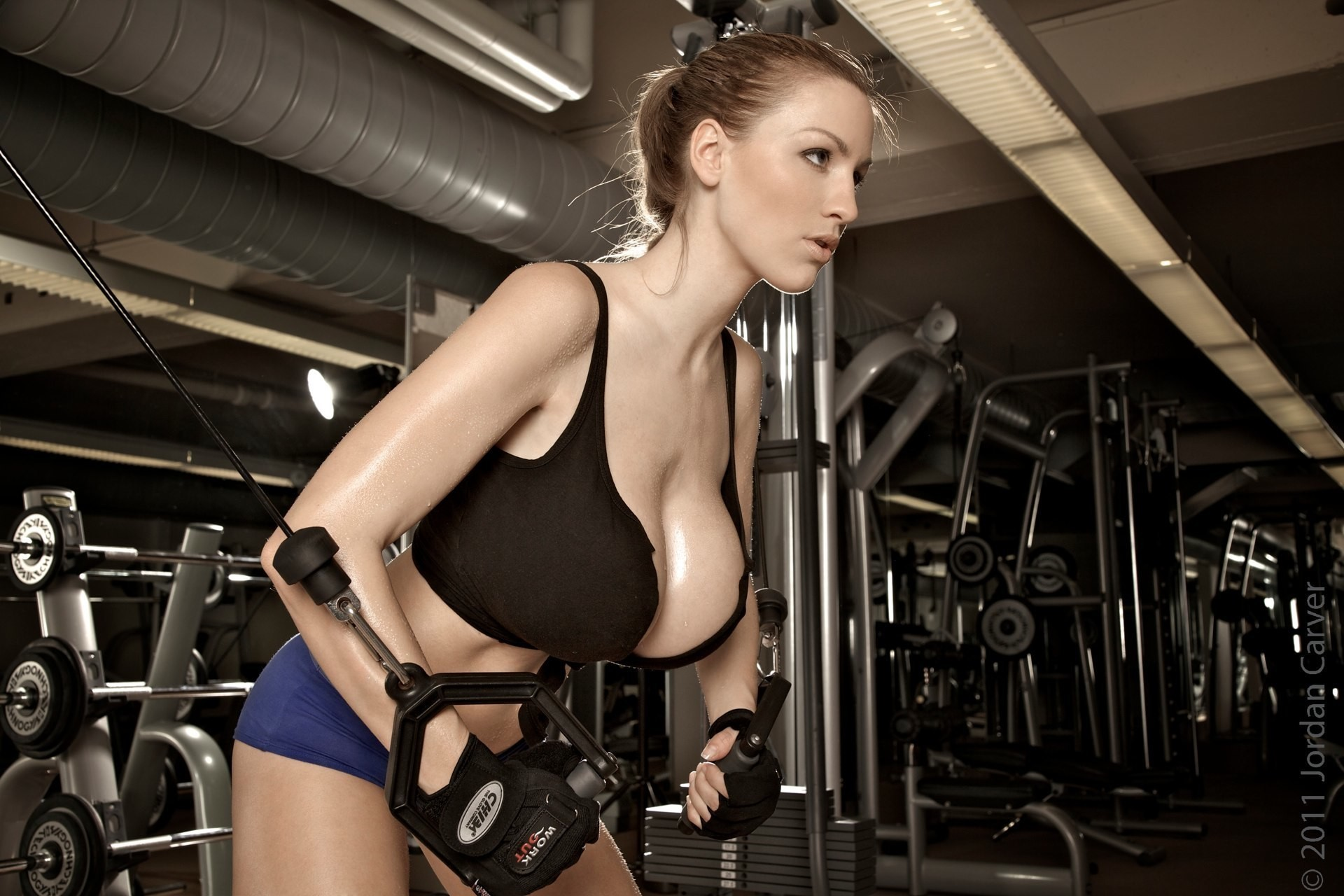 Jordan Carver workout depth HD Wallpaper