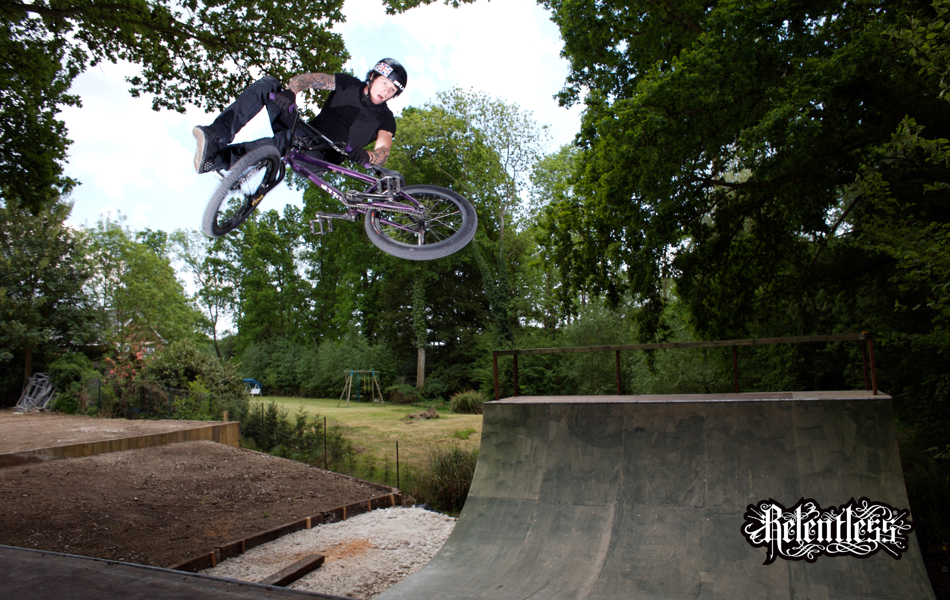 jumping bmx halfpipe relentless HD Wallpaper