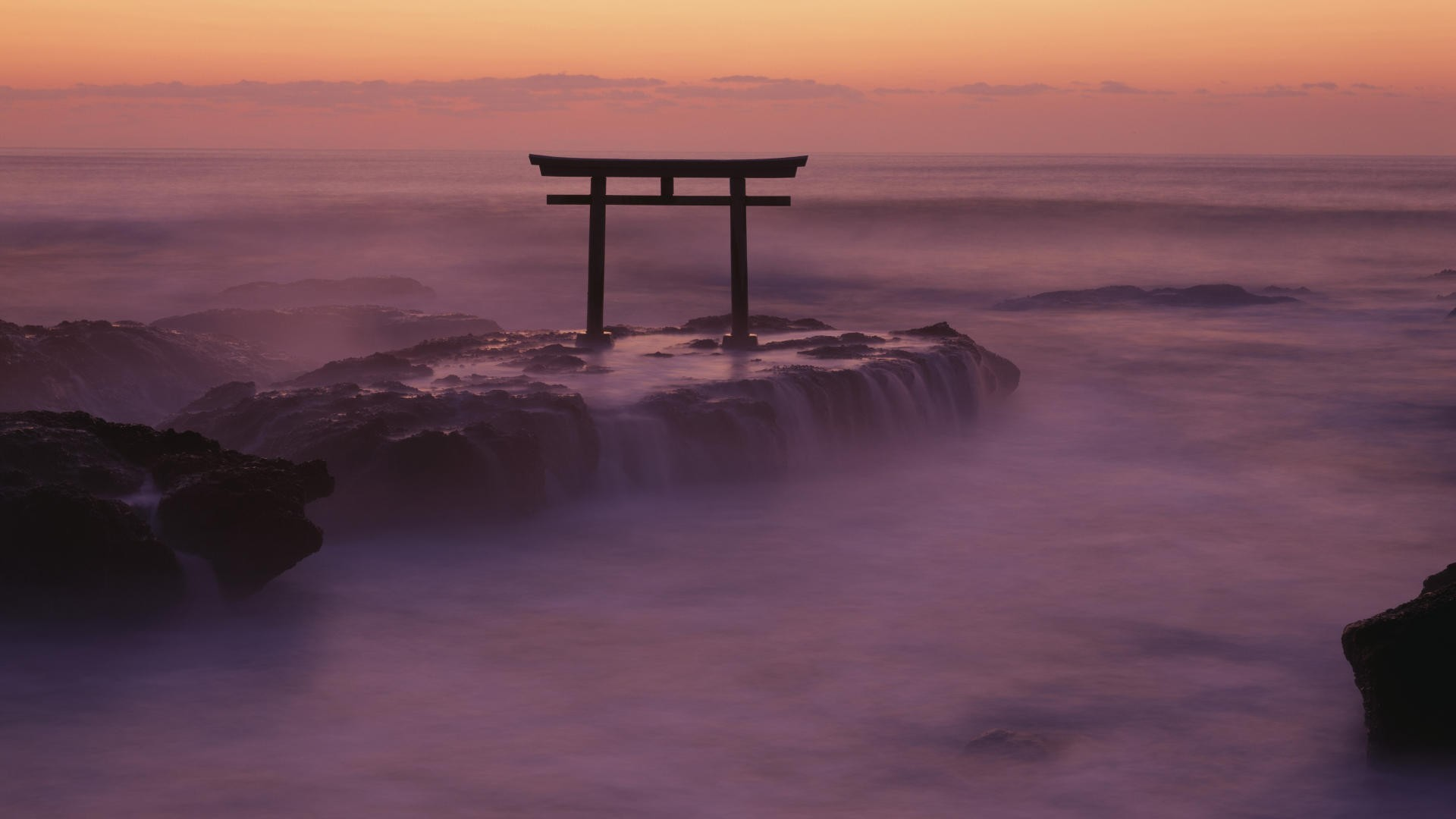 kanto modern torii Japan HD Wallpaper