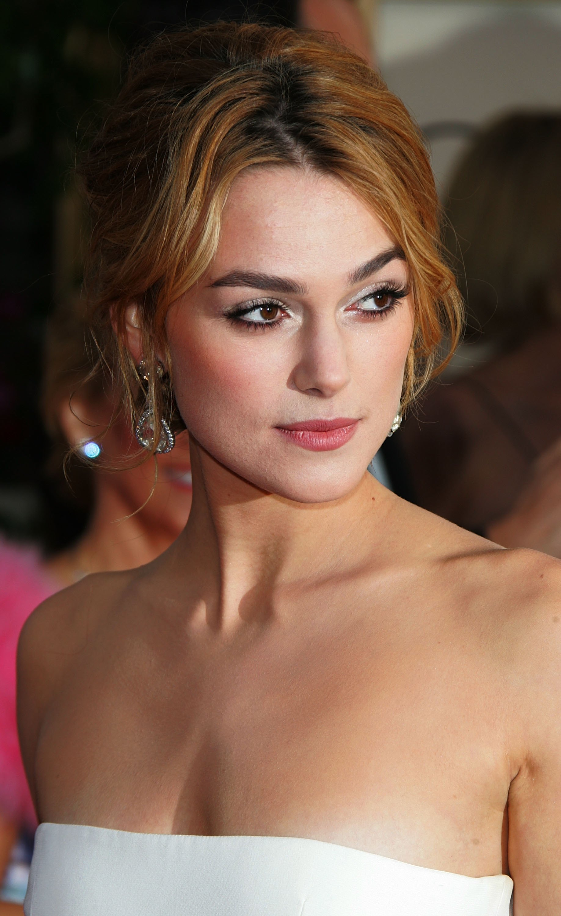 Keira Knightley Celebrity HD Wallpaper