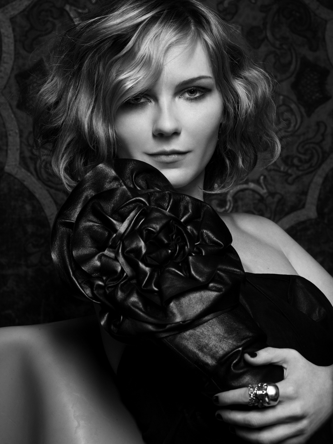 Kirsten Dunst monochrome HD Wallpaper