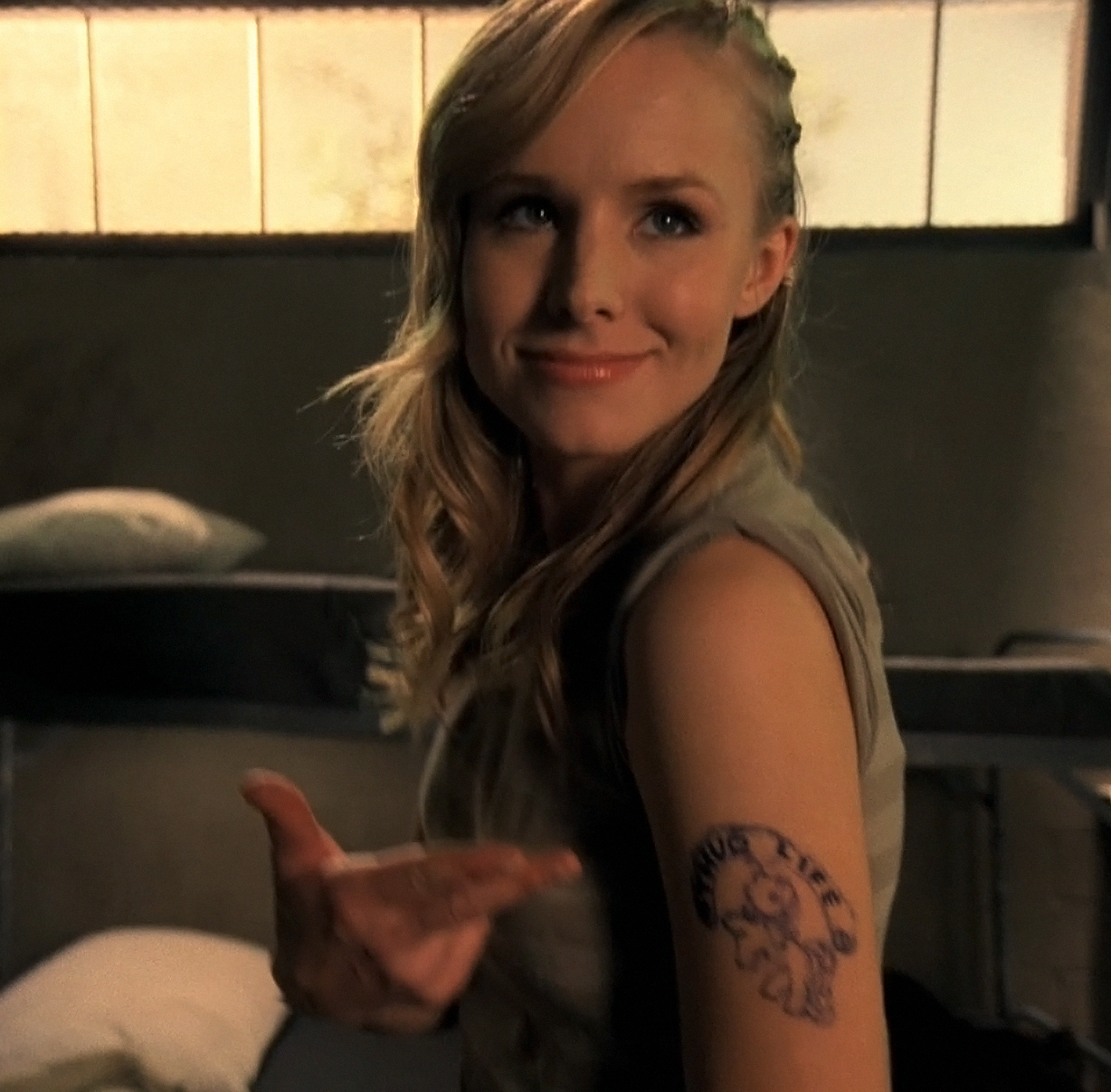 Kristen bell thug Life HD Wallpaper