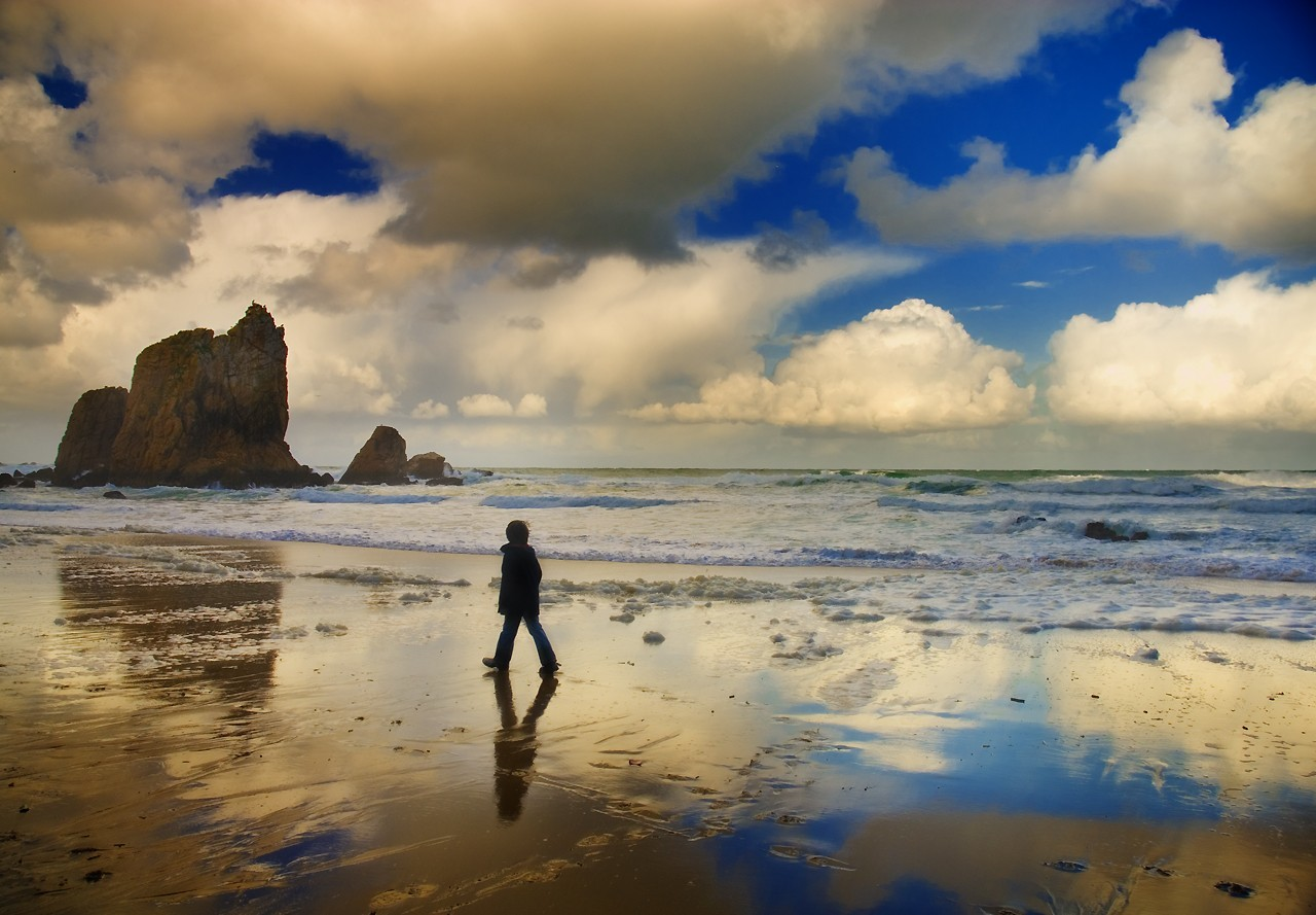 Landscapes clouds Beaches walking HD Wallpaper