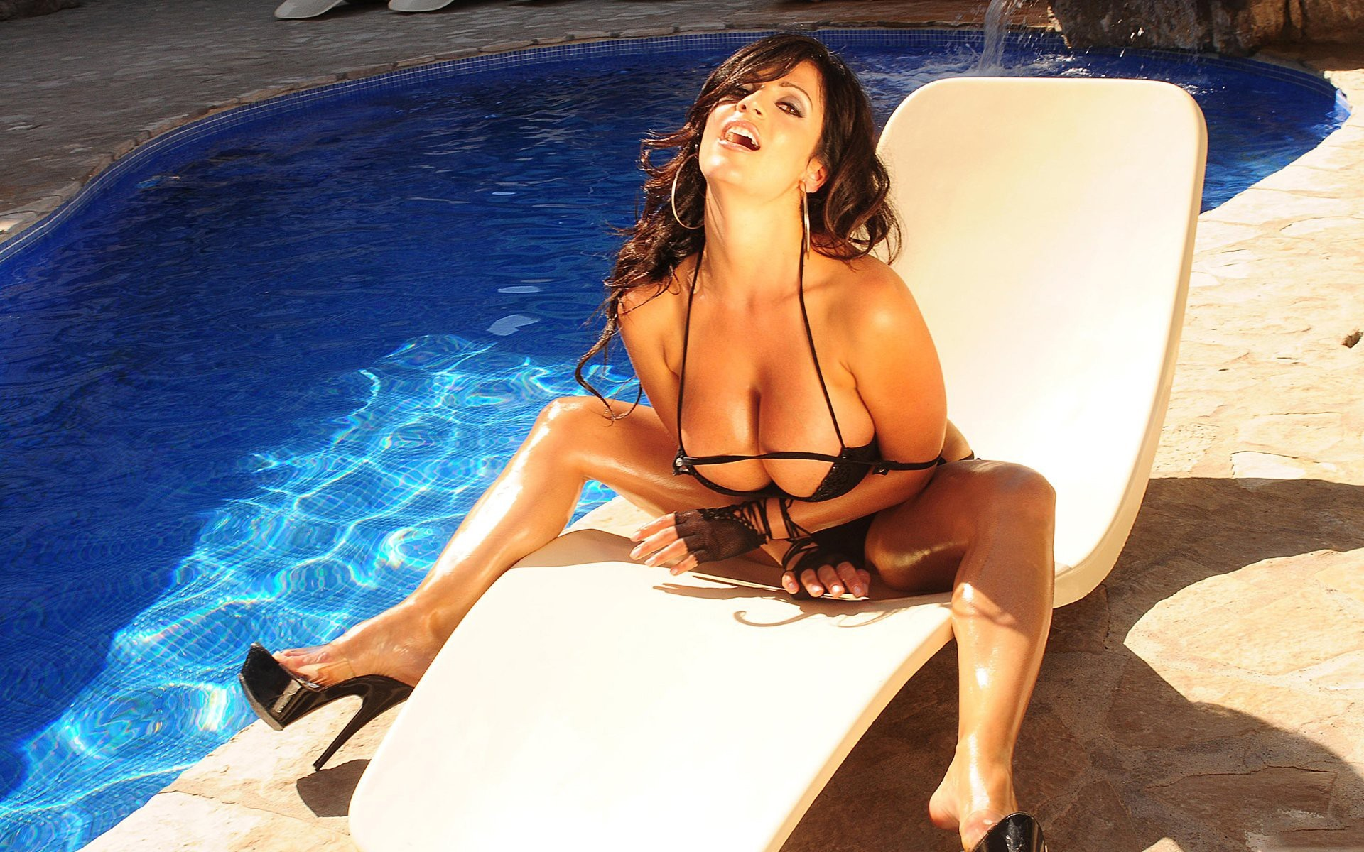legs oiled women feet denise milani high heels