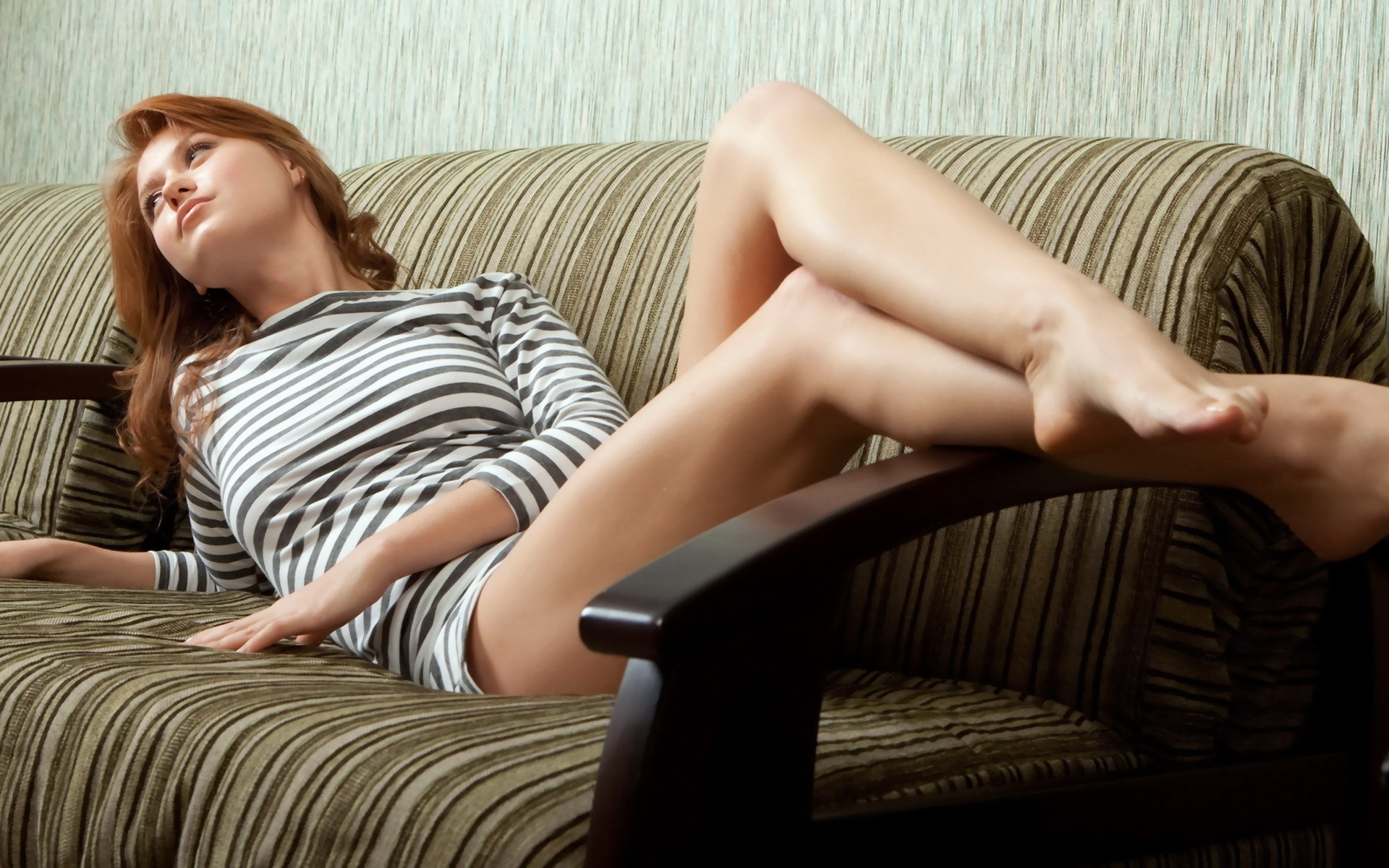 legs woman couch redheads HD Wallpaper