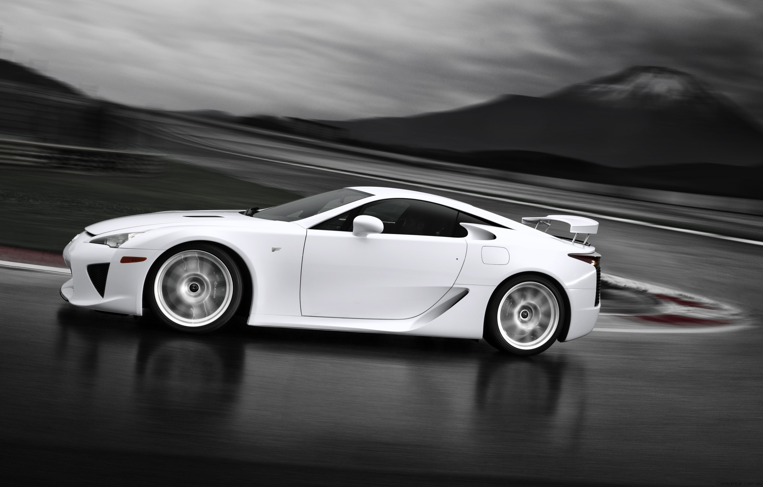 lexuslfa track high HD Wallpaper