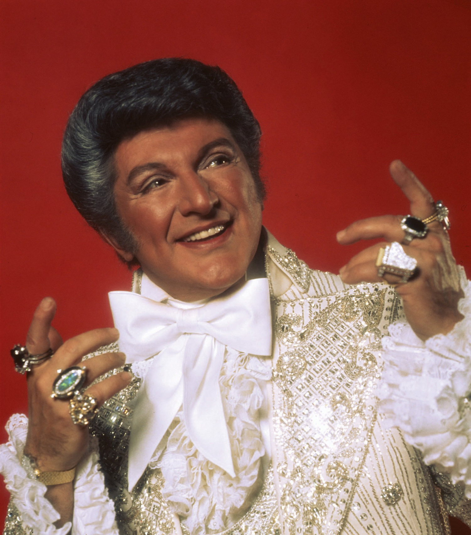 liberace real clever high HD Wallpaper