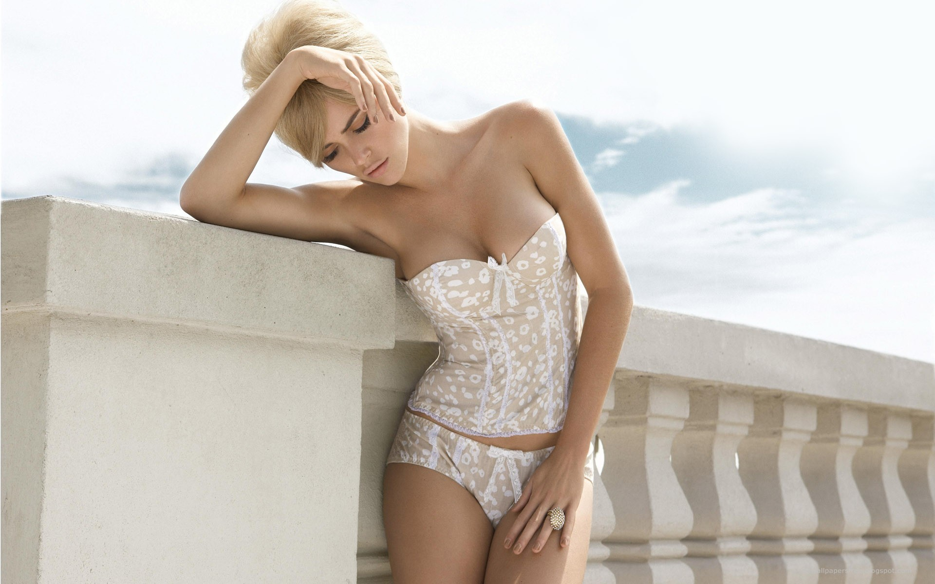 lingerie blondes woman fashion HD Wallpaper