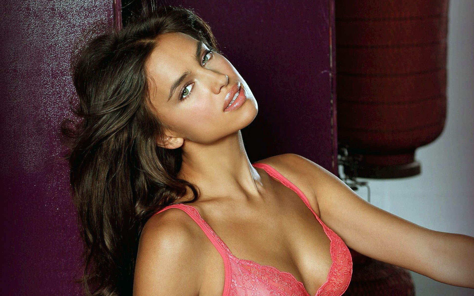 lingerie models faces irina HD Wallpaper
