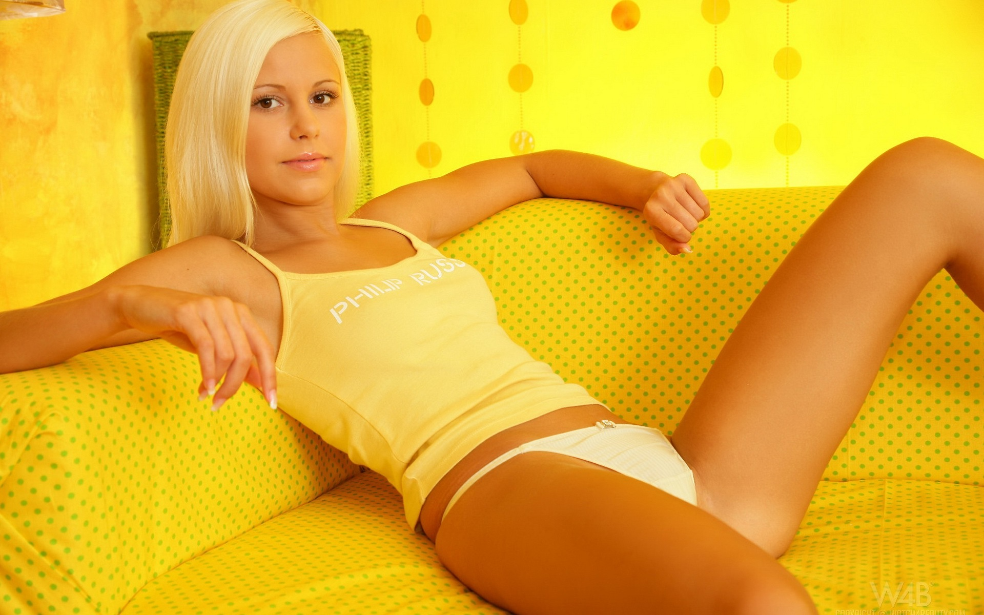 Lola Myluv blondes woman HD Wallpaper