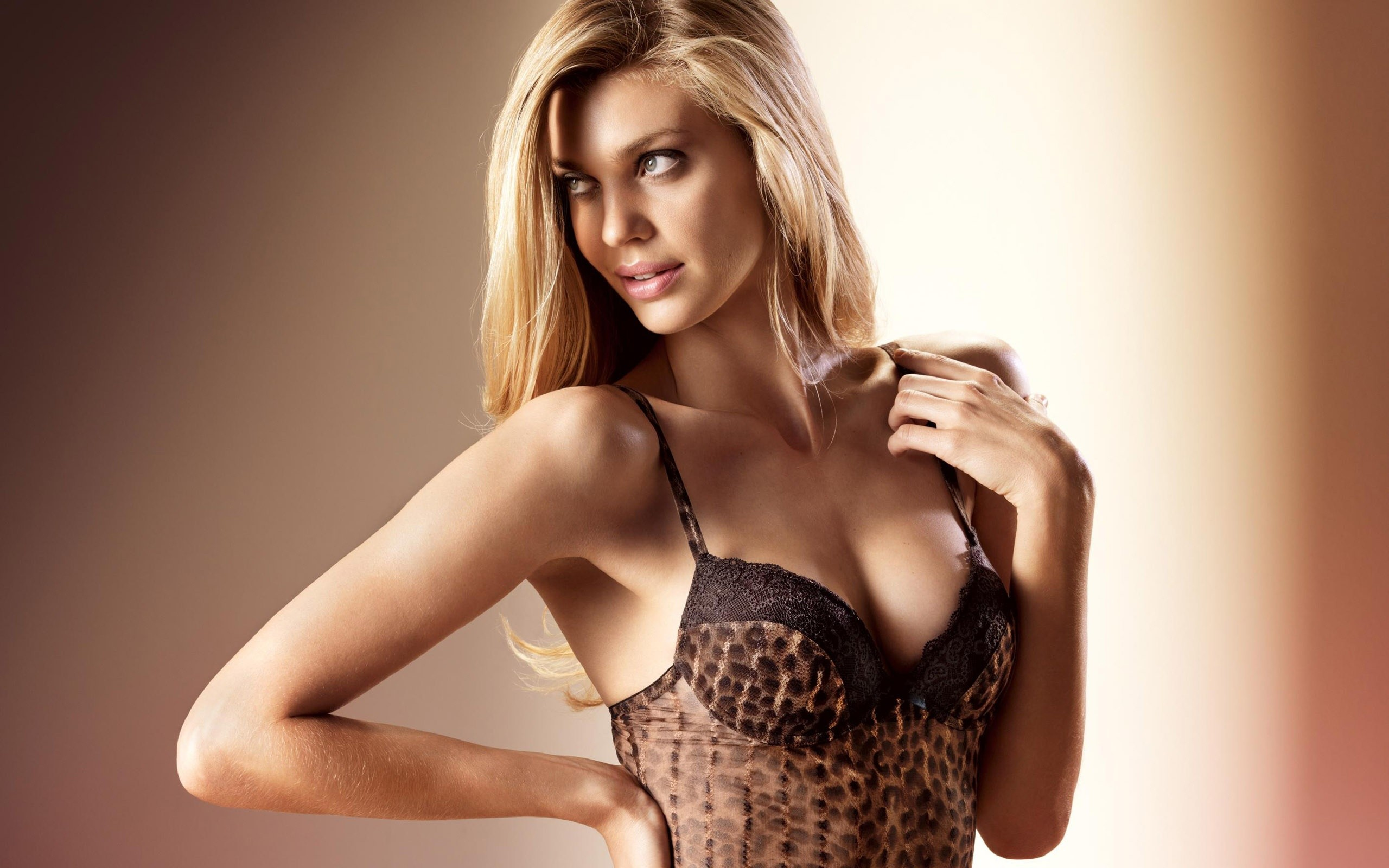 models palmers leopard Print HD Wallpaper