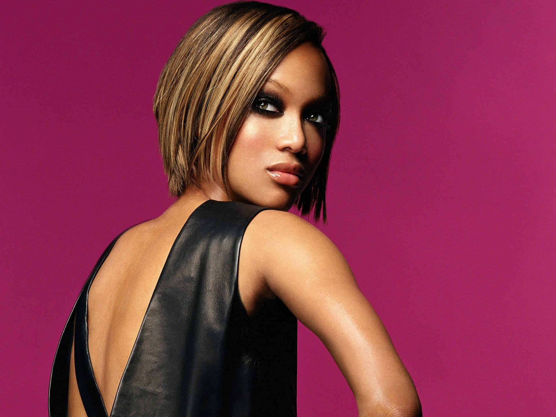 models short hair tyra HD Wallpaper