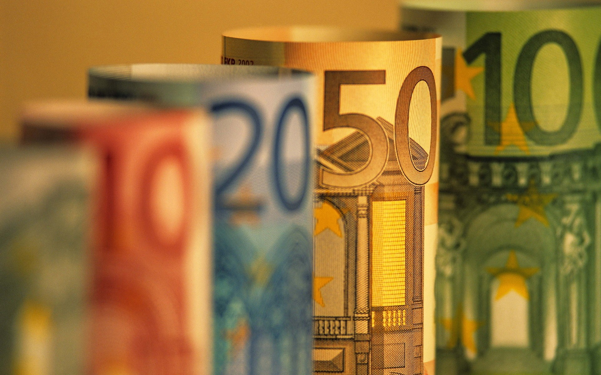 Money Euro depth of
