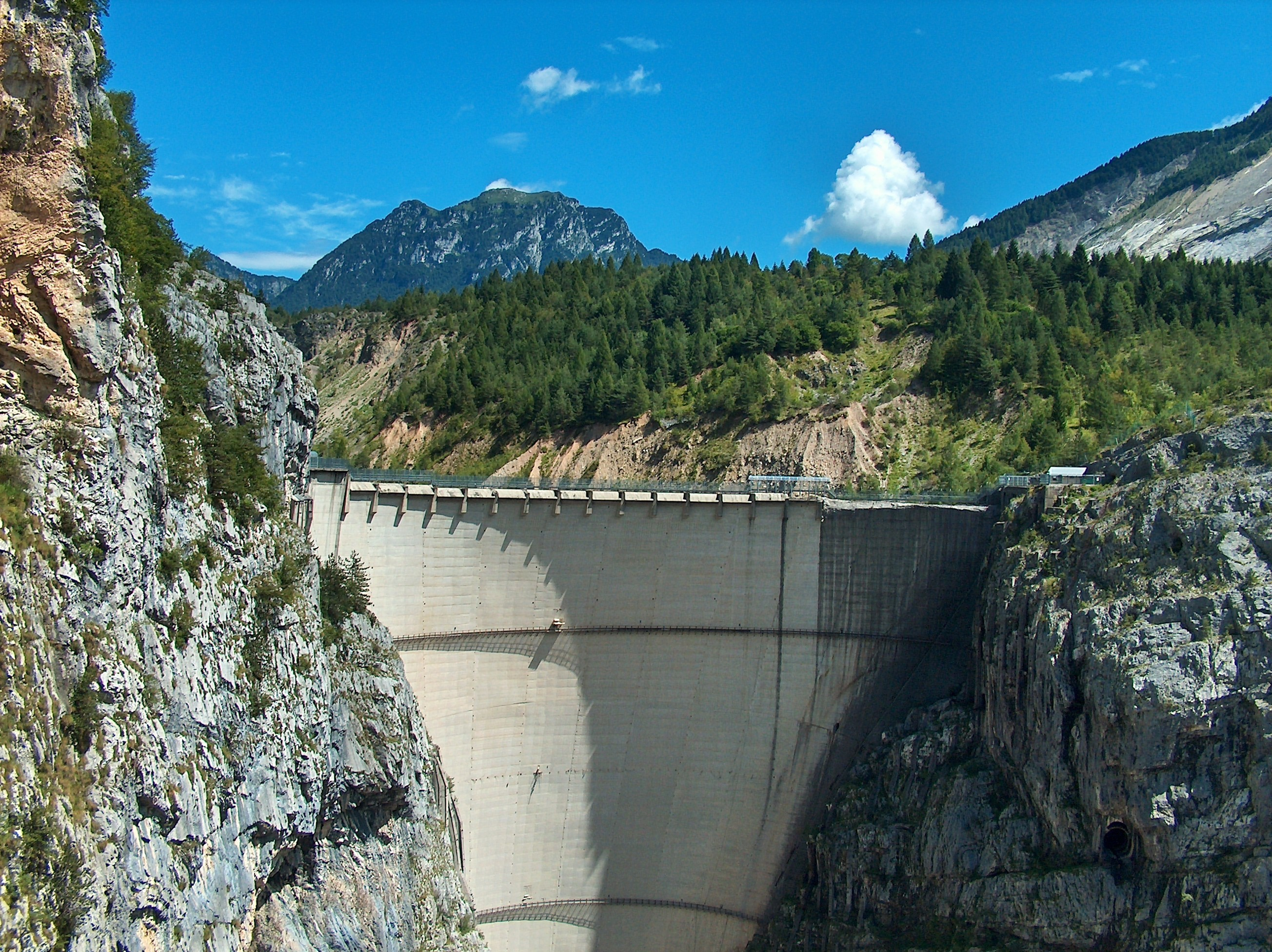 Mountains clouds concrete Italy vajont dam HD Wallpaper
