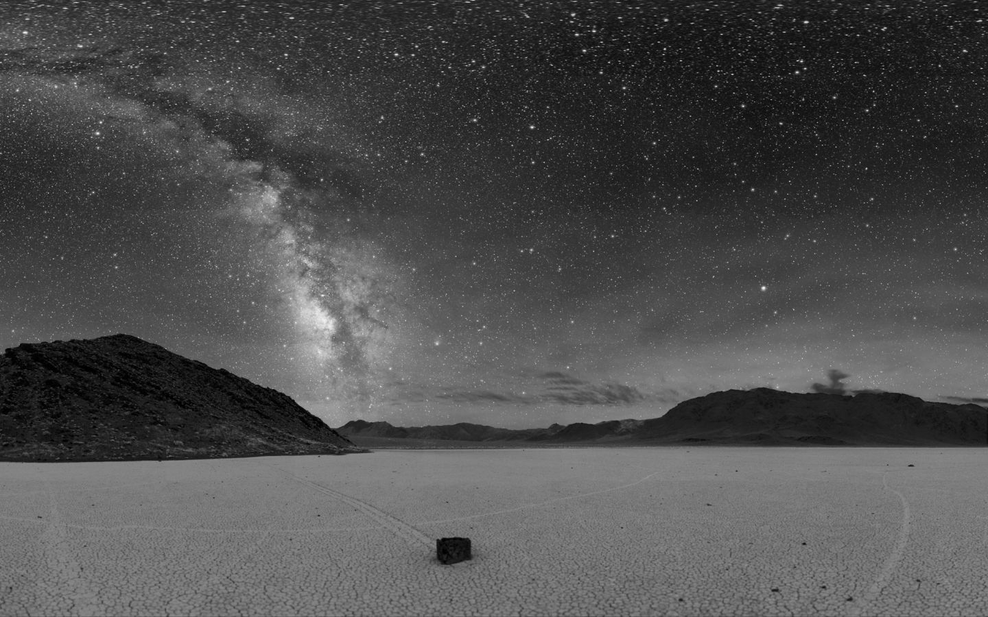 night Stars deserts monochrome HD Wallpaper