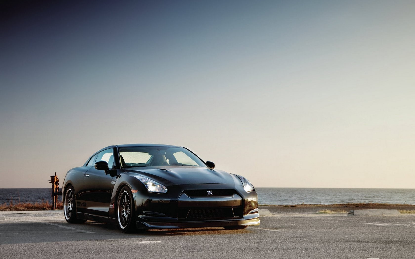 nissan gt-r Nissan GT-R HD Wallpaper