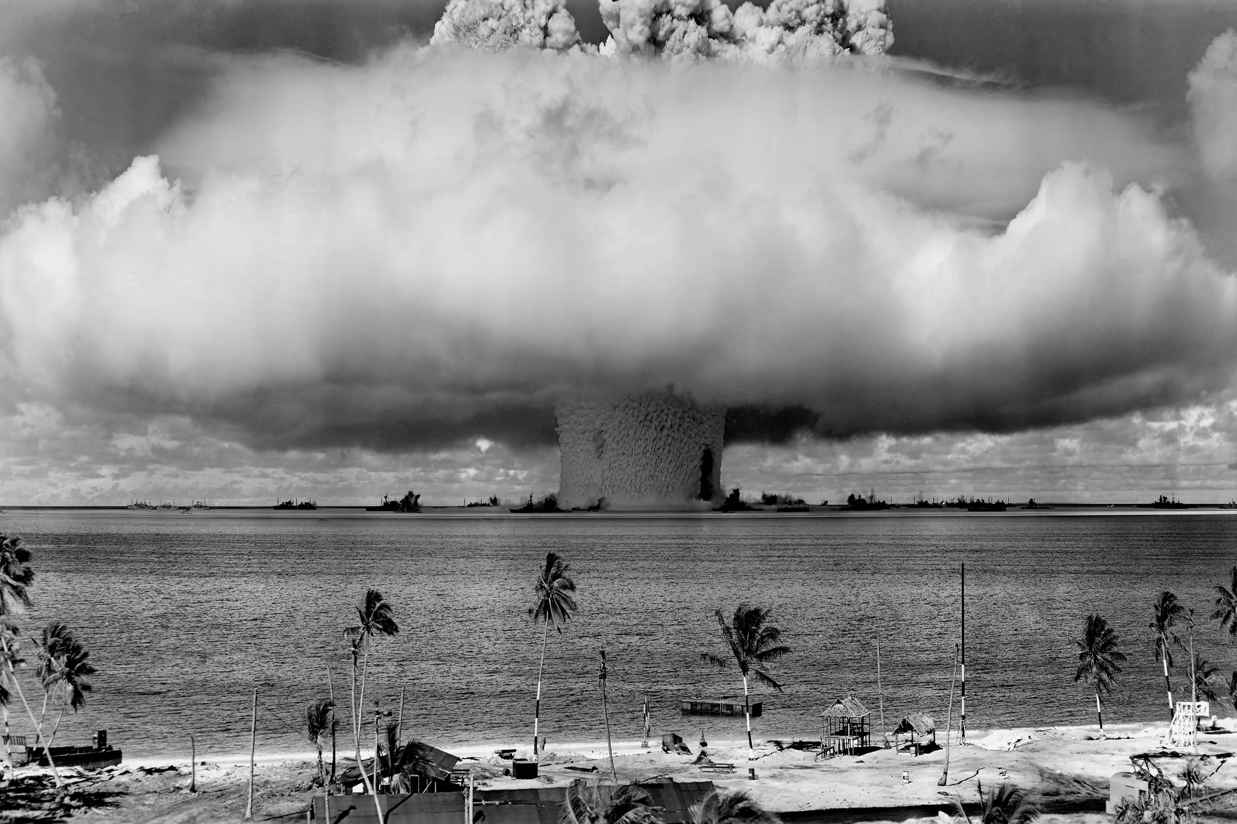nuclear explosions HD Wallpaper