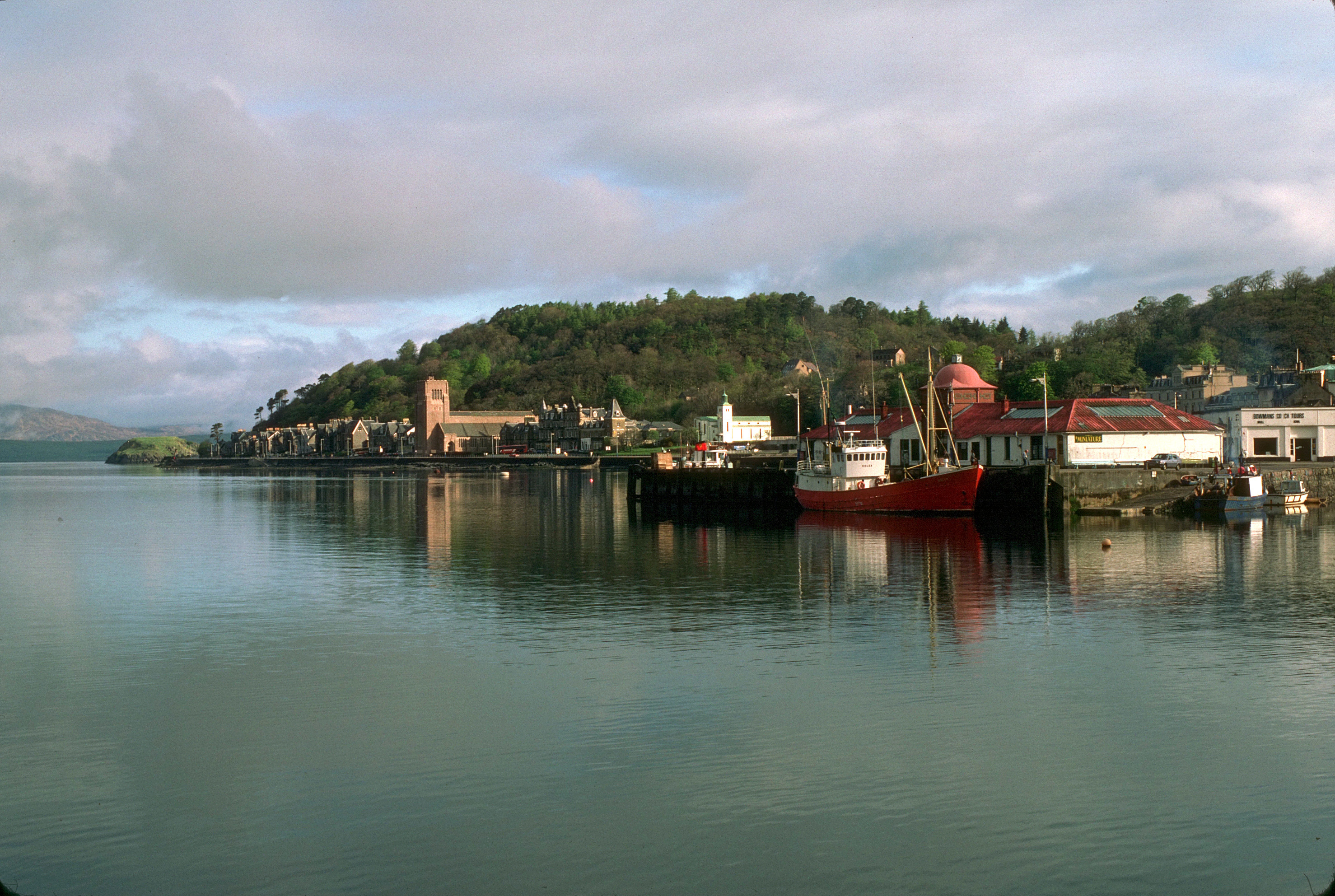 oban from The south HD Wallpaper