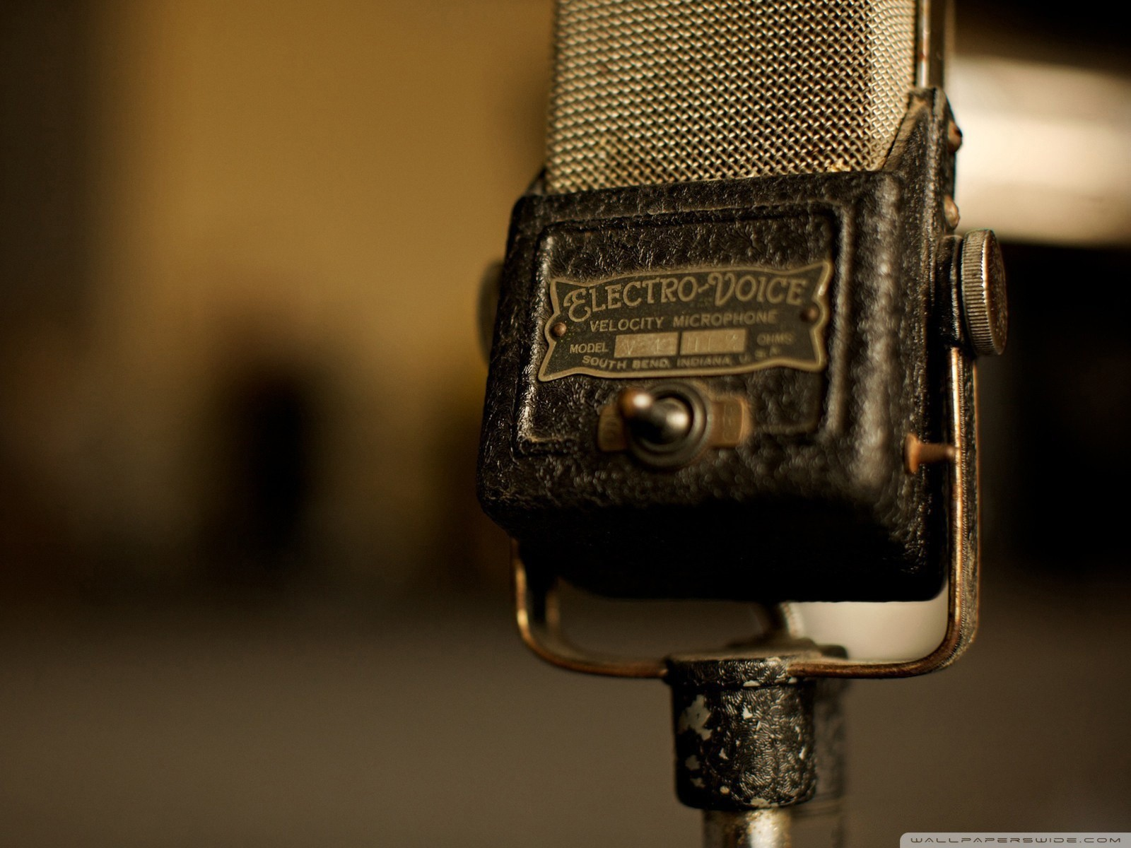oldschool microphones HD Wallpaper