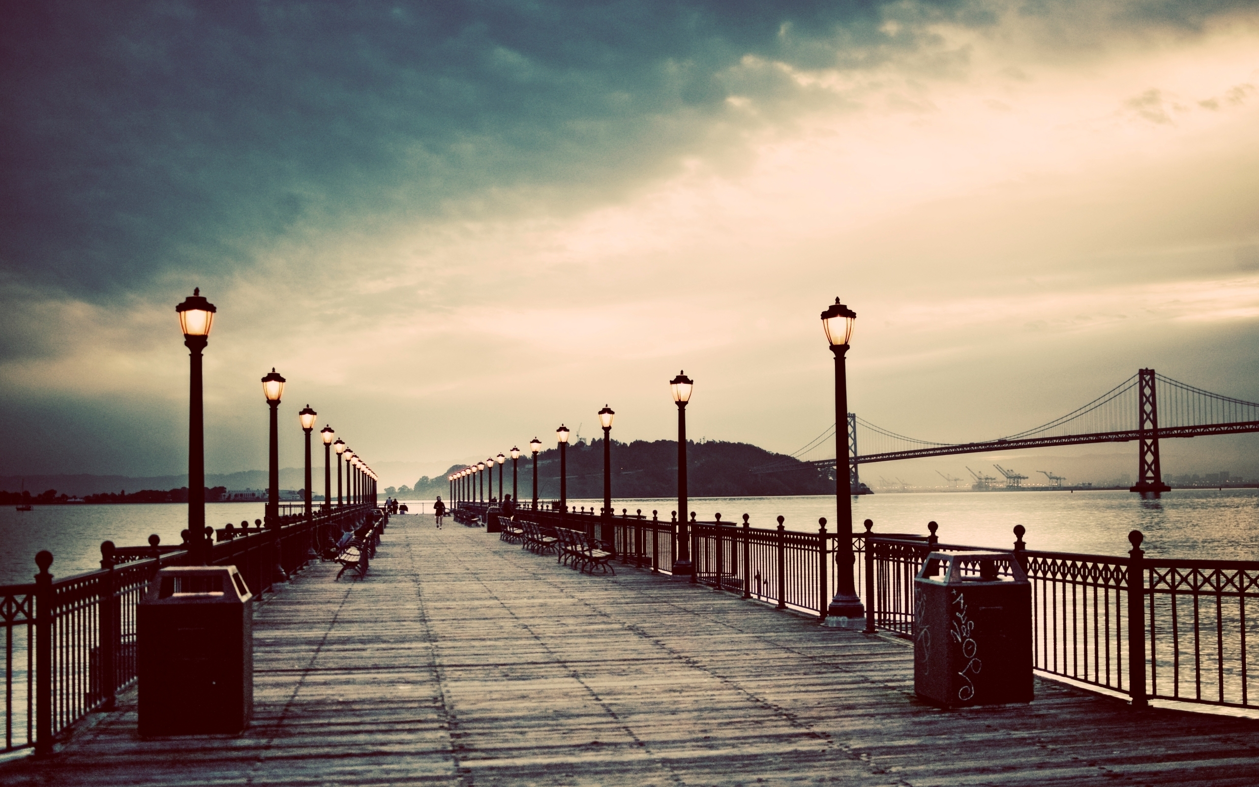 piers lamp posts HD Wallpaper