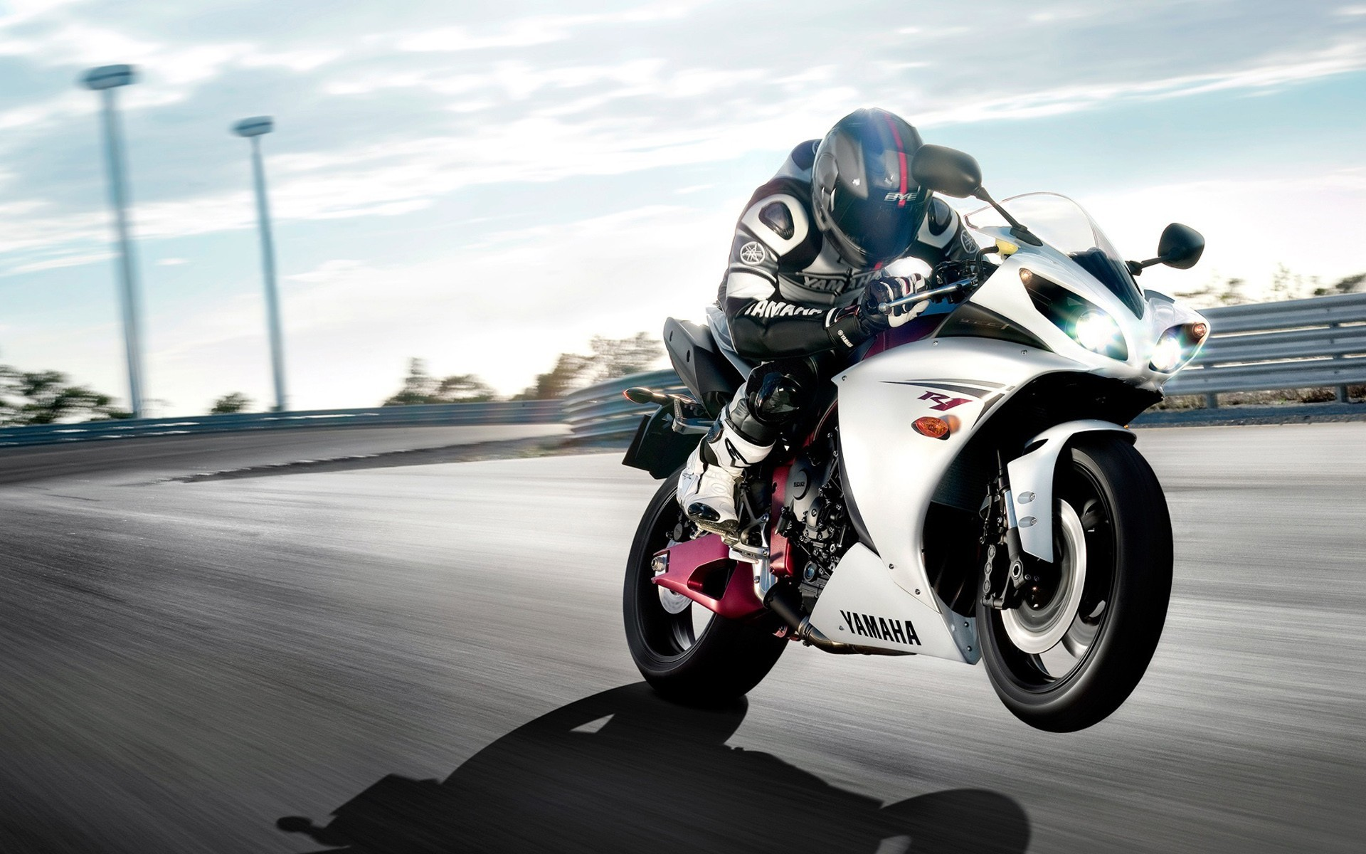 Racer motorbikes yamaha r1 HD Wallpaper