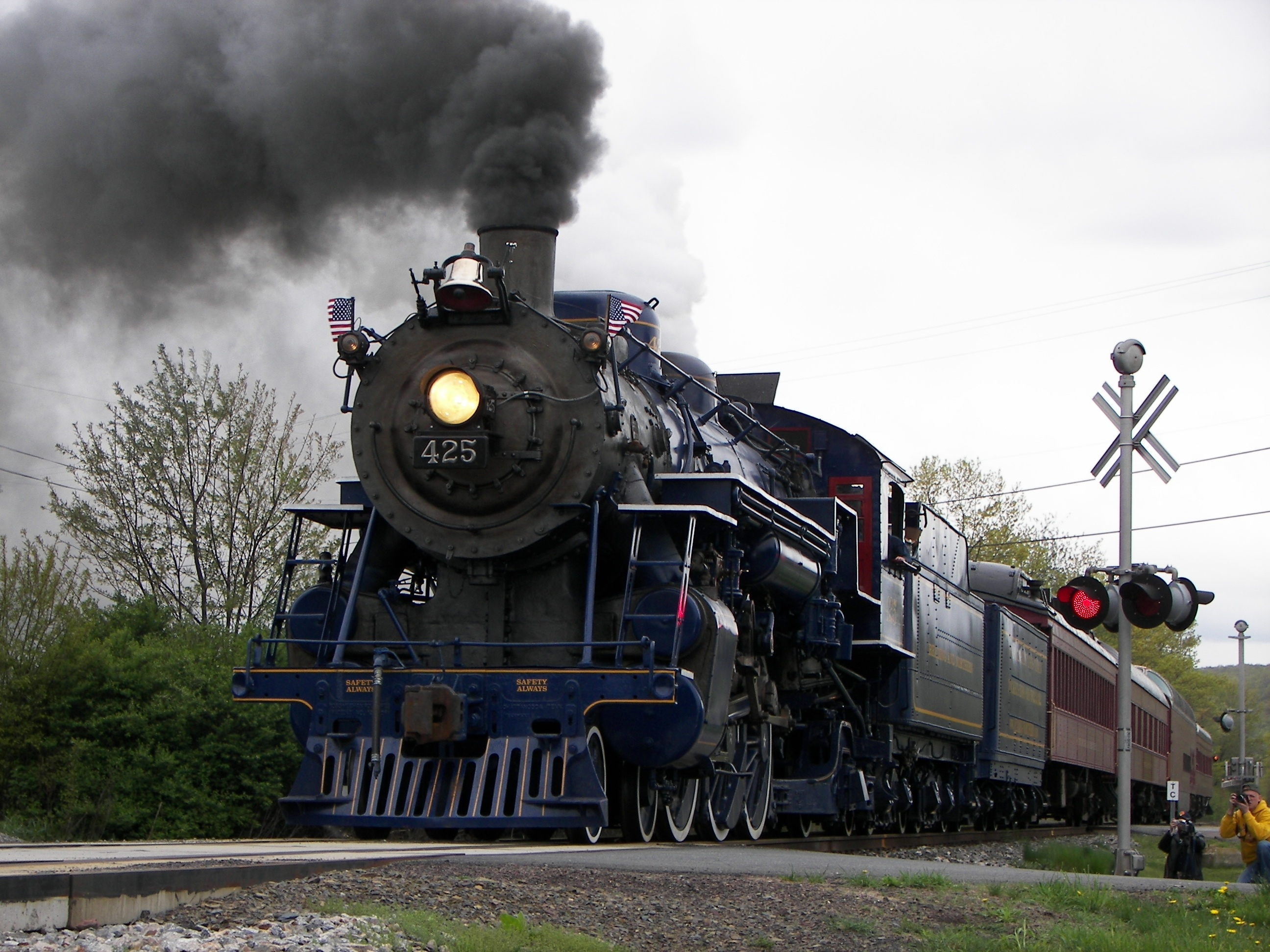 railroad tracks steam engine HD Wallpaper